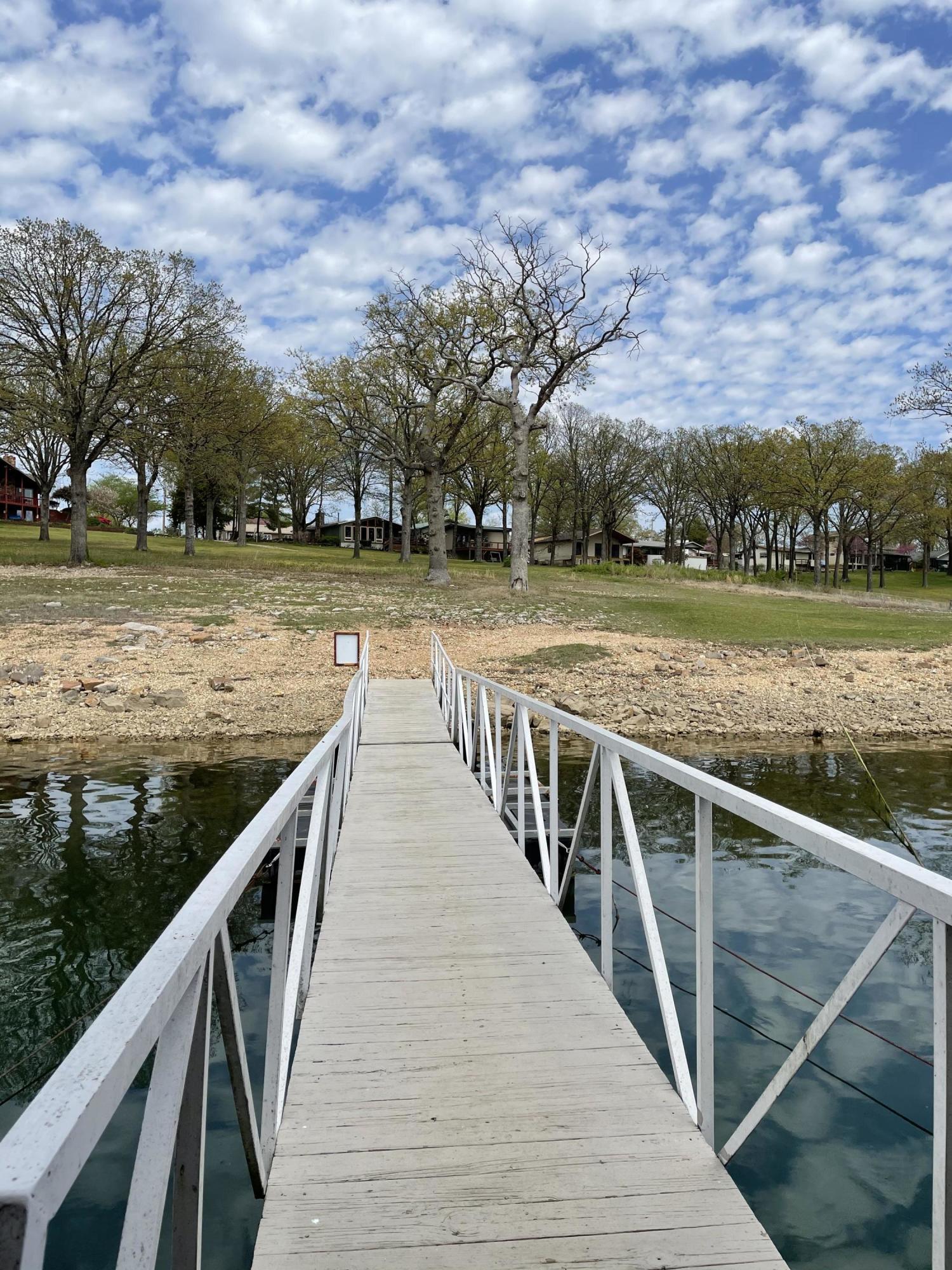 174 Twin Rivers Loop Kimberling City, MO 65686