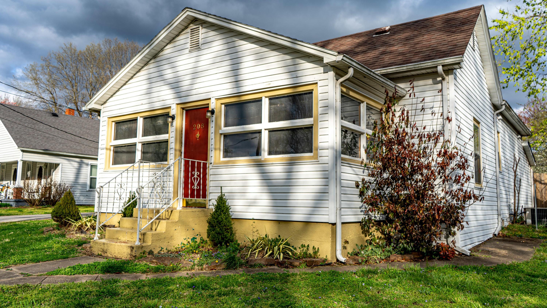 208 North Webster Avenue Ash Grove, MO 65604