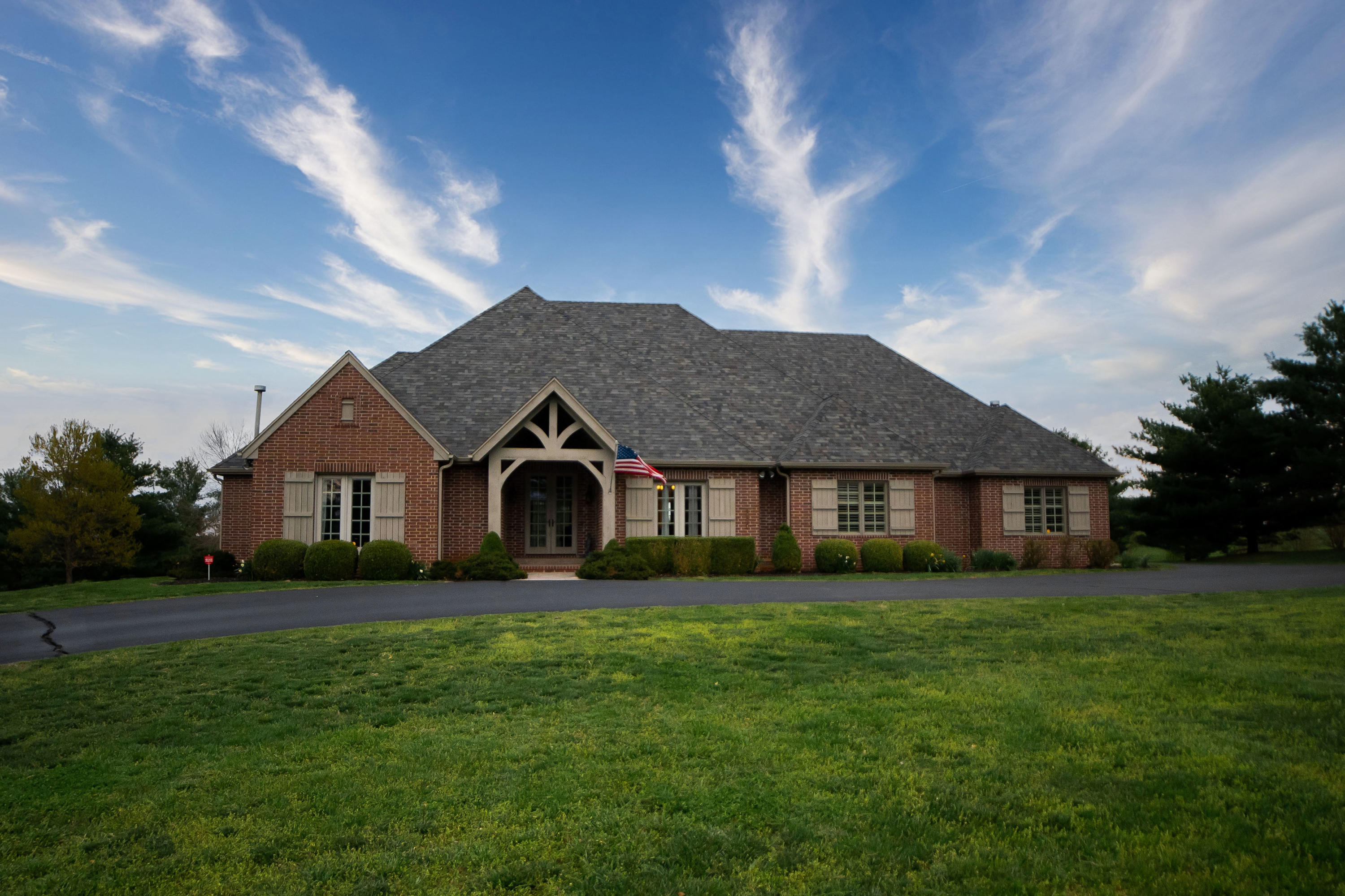 4650 South Farm Road Rogersville, MO 65742