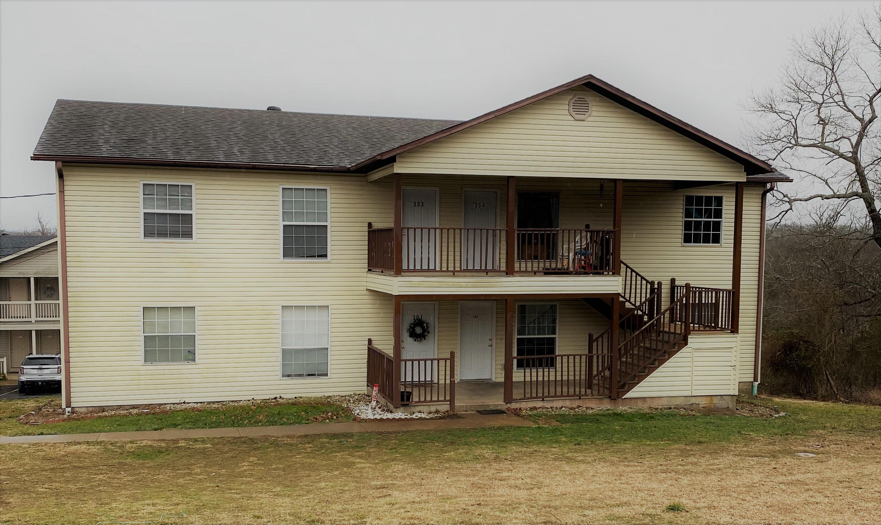 301-304 Twin Oaks Kirbyville, MO 65679
