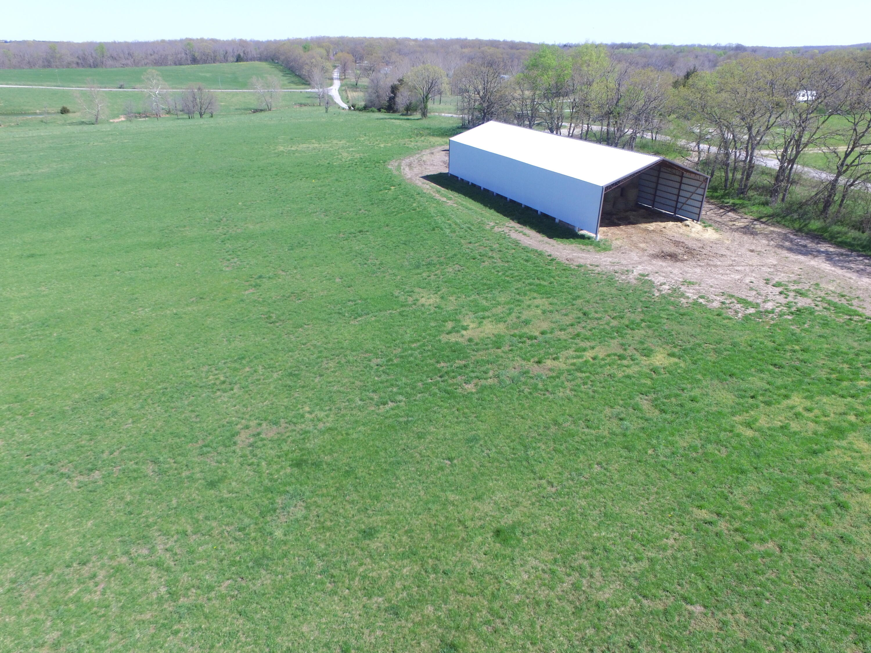 0000 East 380th Road Dunnegan, MO 65640