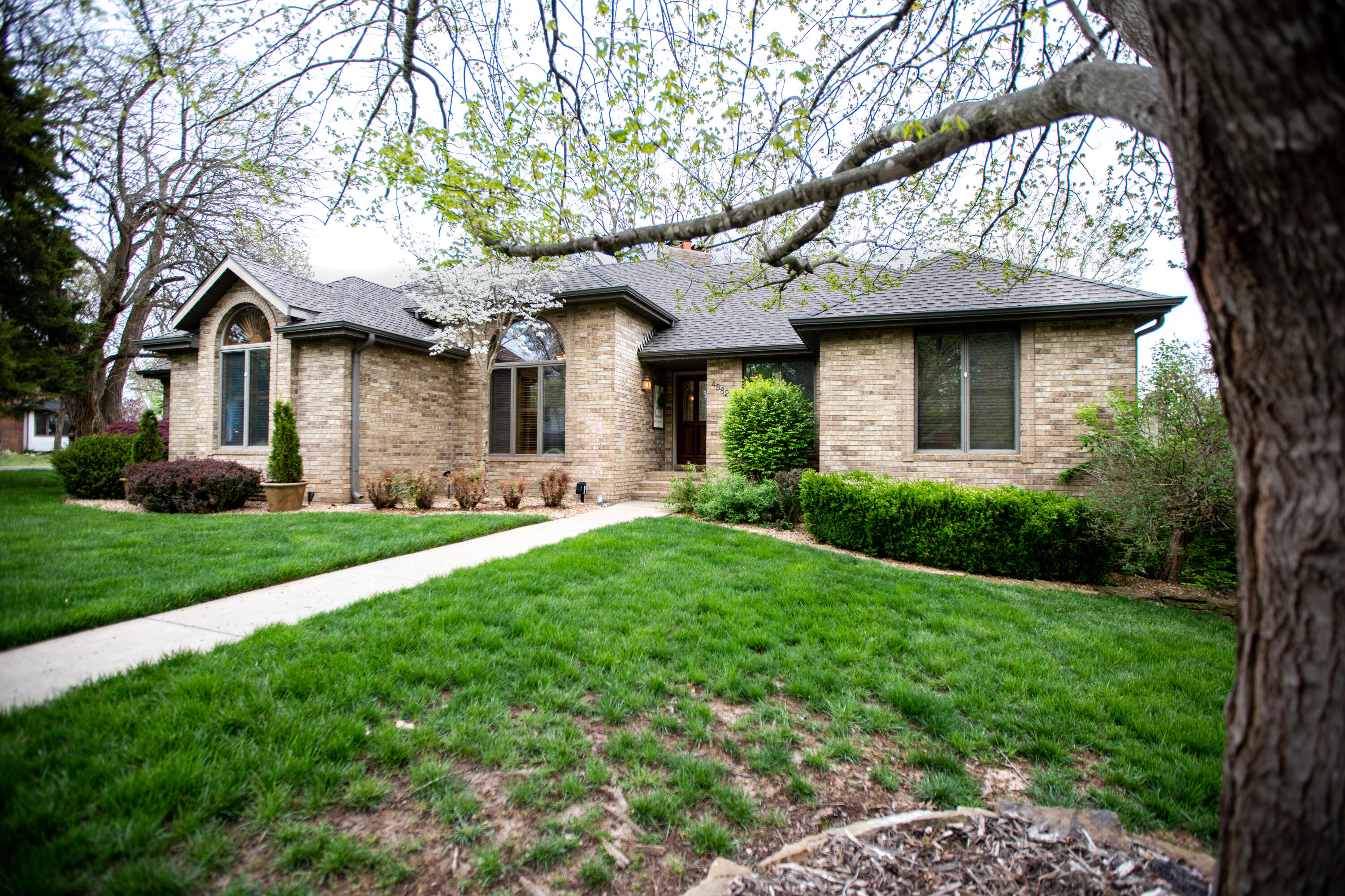 4882 South Leroy Avenue Springfield, MO 65810