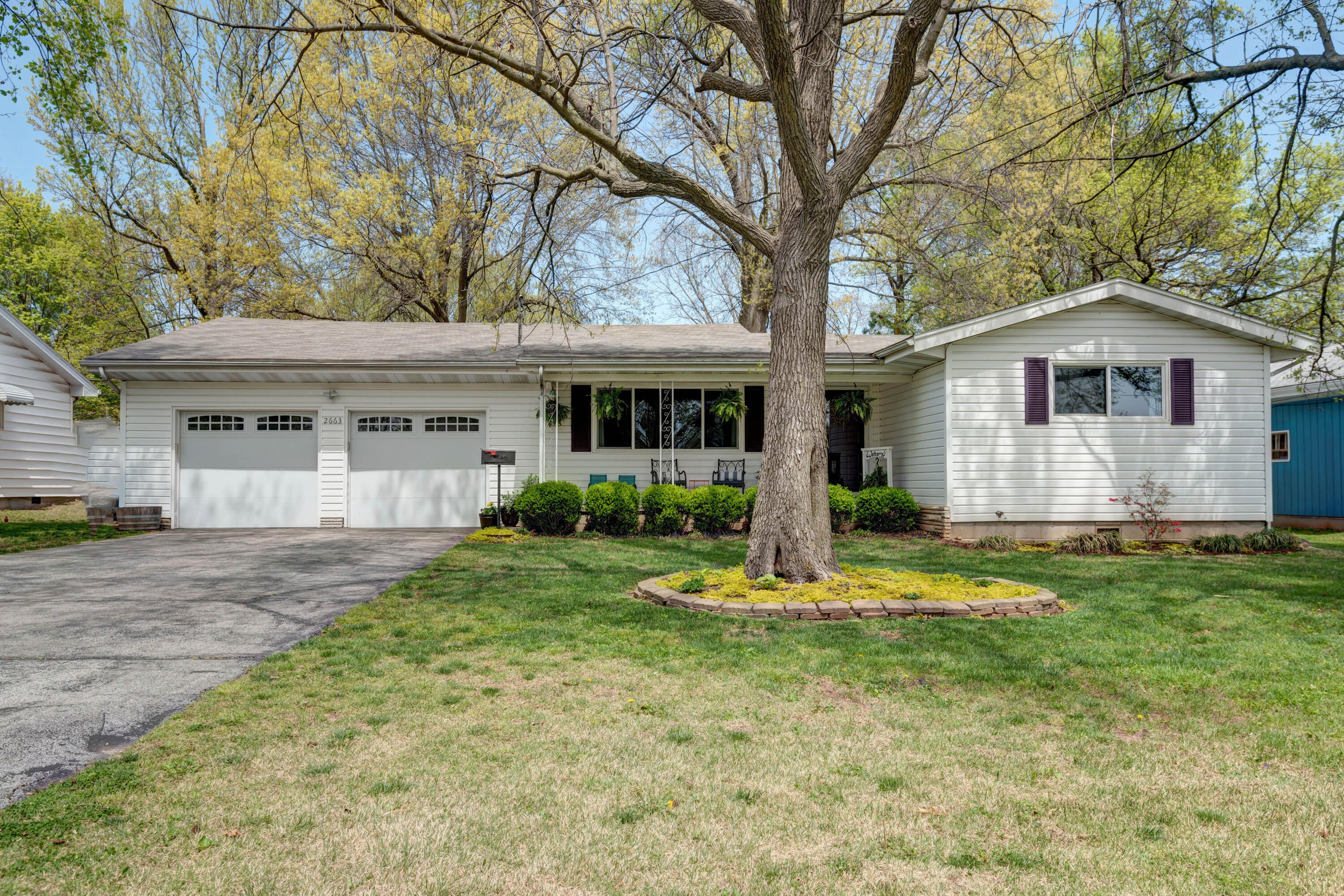 2663 East Stanford Street Springfield, MO 65804
