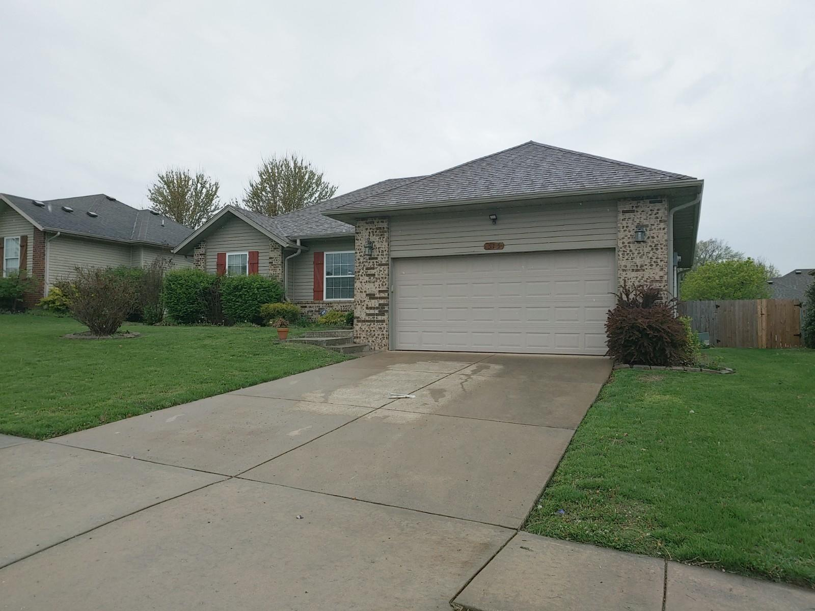 315 South Red Avenue Springfield, MO 65802