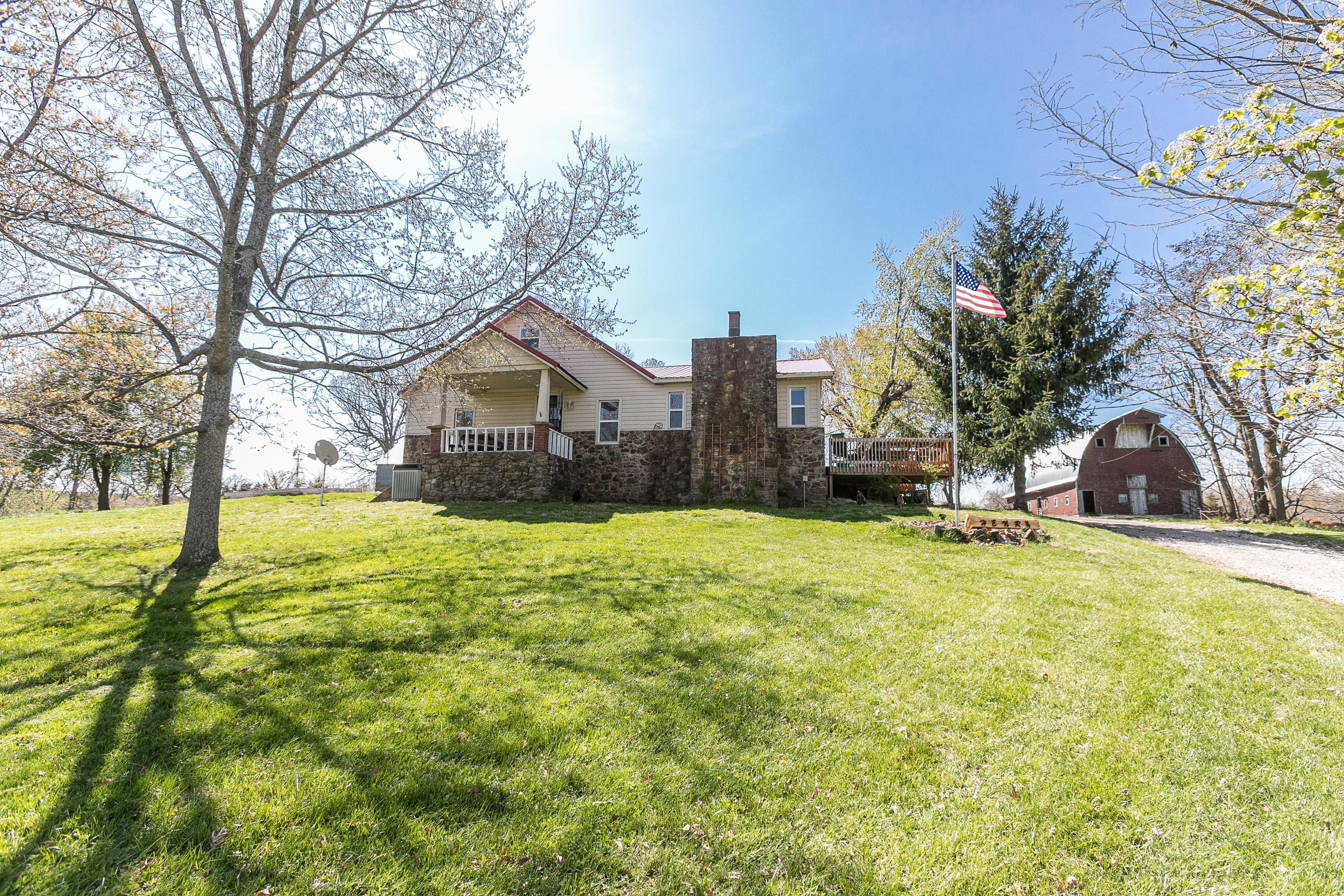 988 Farmland Road Marshfield, MO 65706