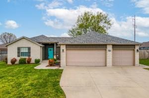 5677 East Pearson Parkway, Strafford, MO 65757
