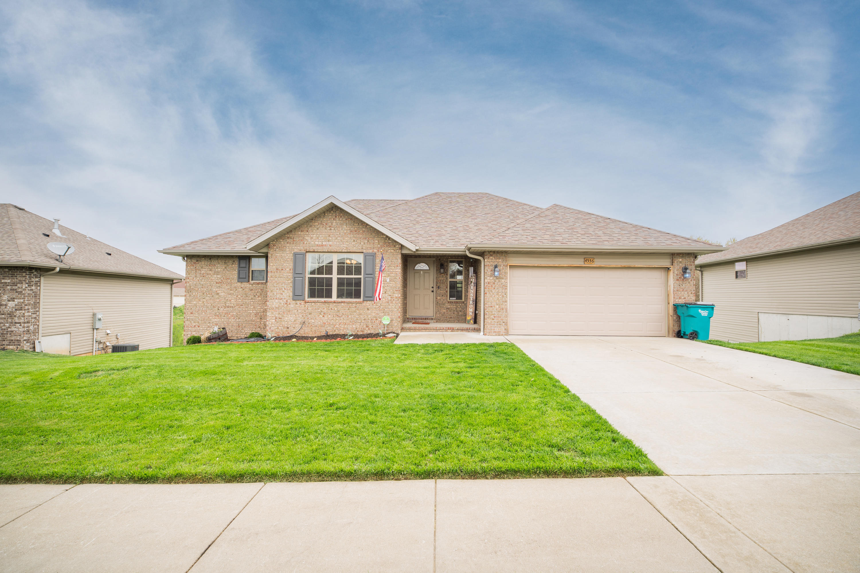 4336 North Farm Road Springfield, MO 65803