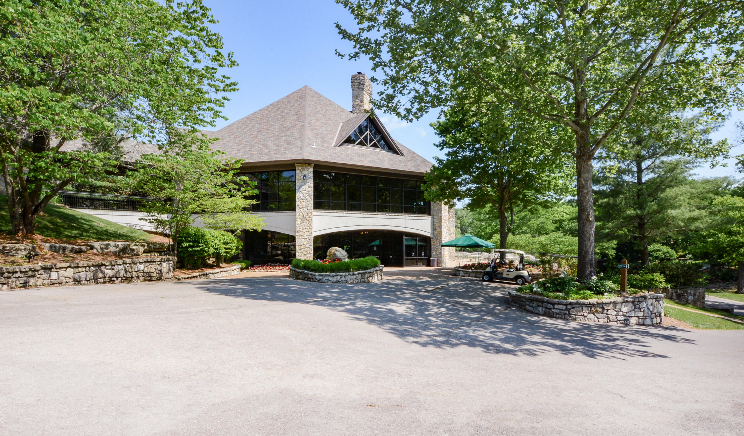 105 Poolside Way, Lodge Branson West, MO 65737