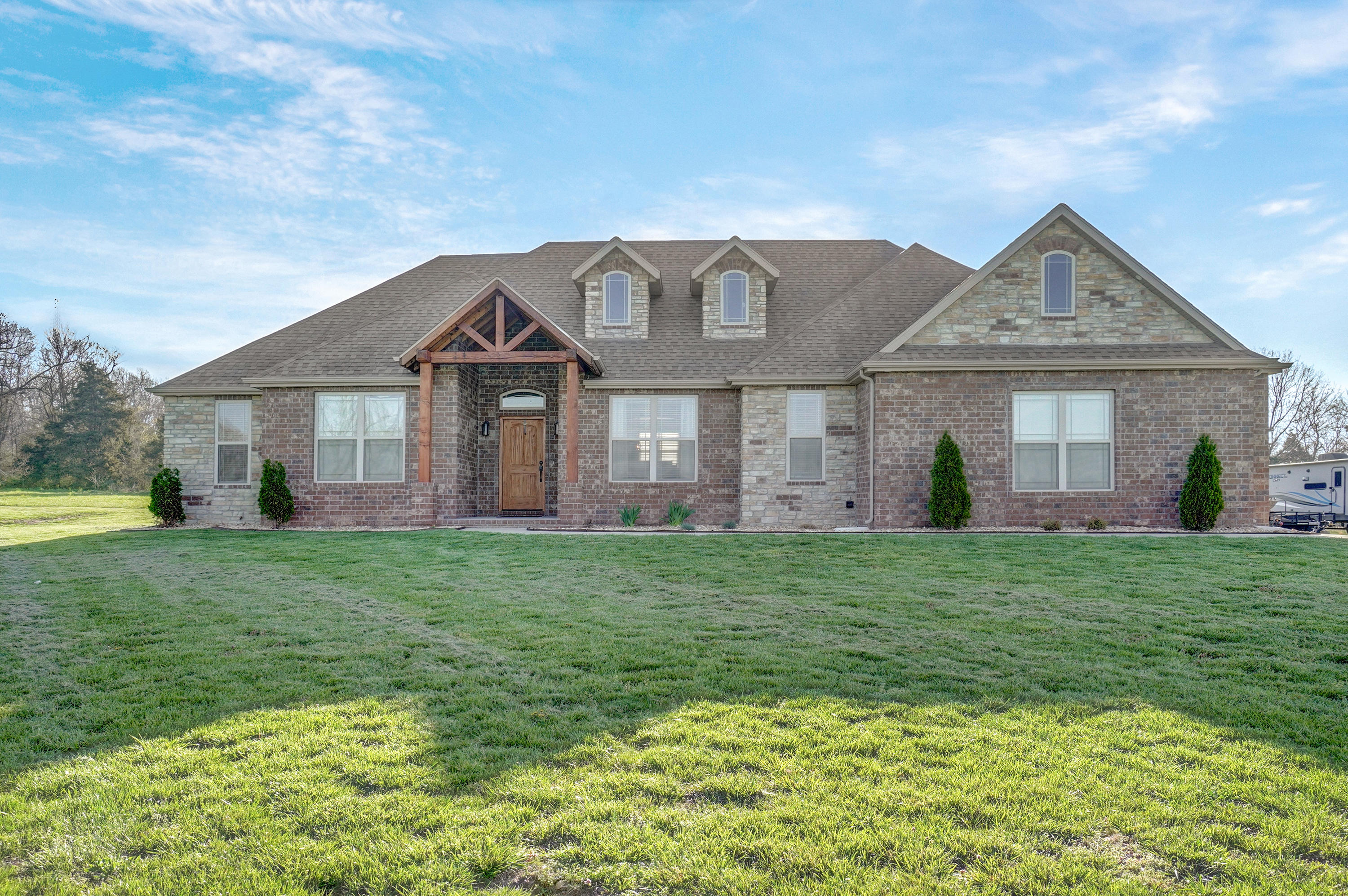 212 Sandy Forest Lane Clever, MO 65631