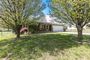 1125 South Glenn Avenue, Springfield, MO 65802