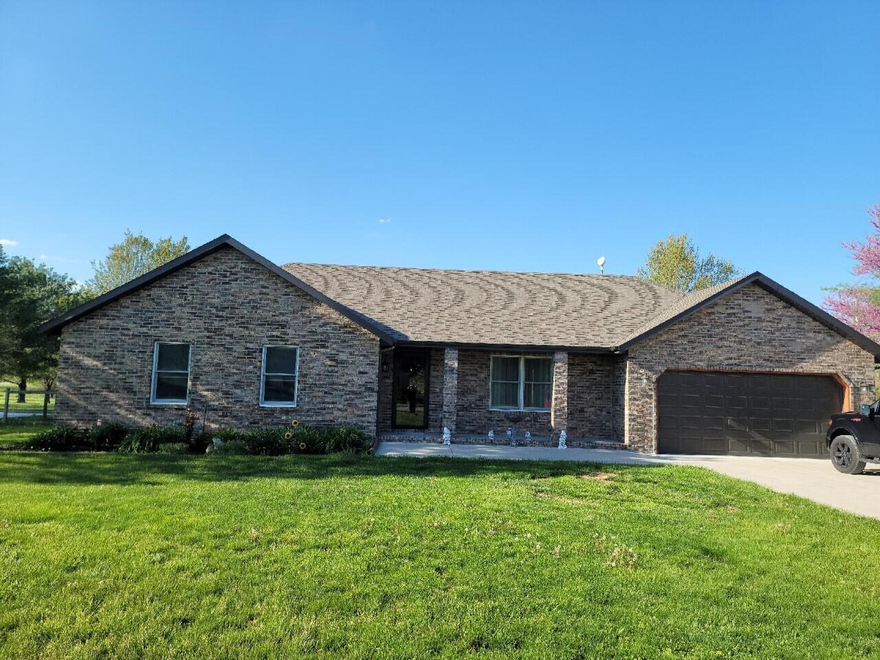 49 Southern Cross Drive Clever, MO 65631