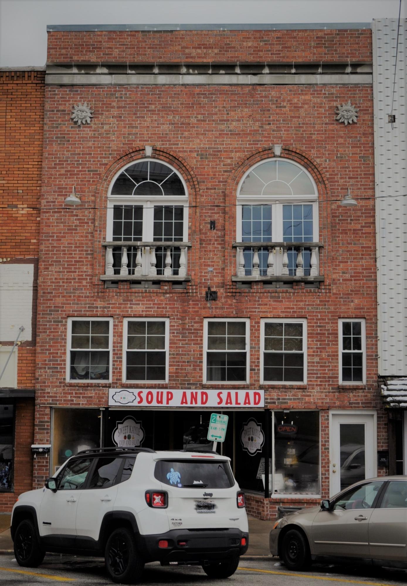 Property for sale at 104 East Jackson, Bolivar,  Missouri 65613