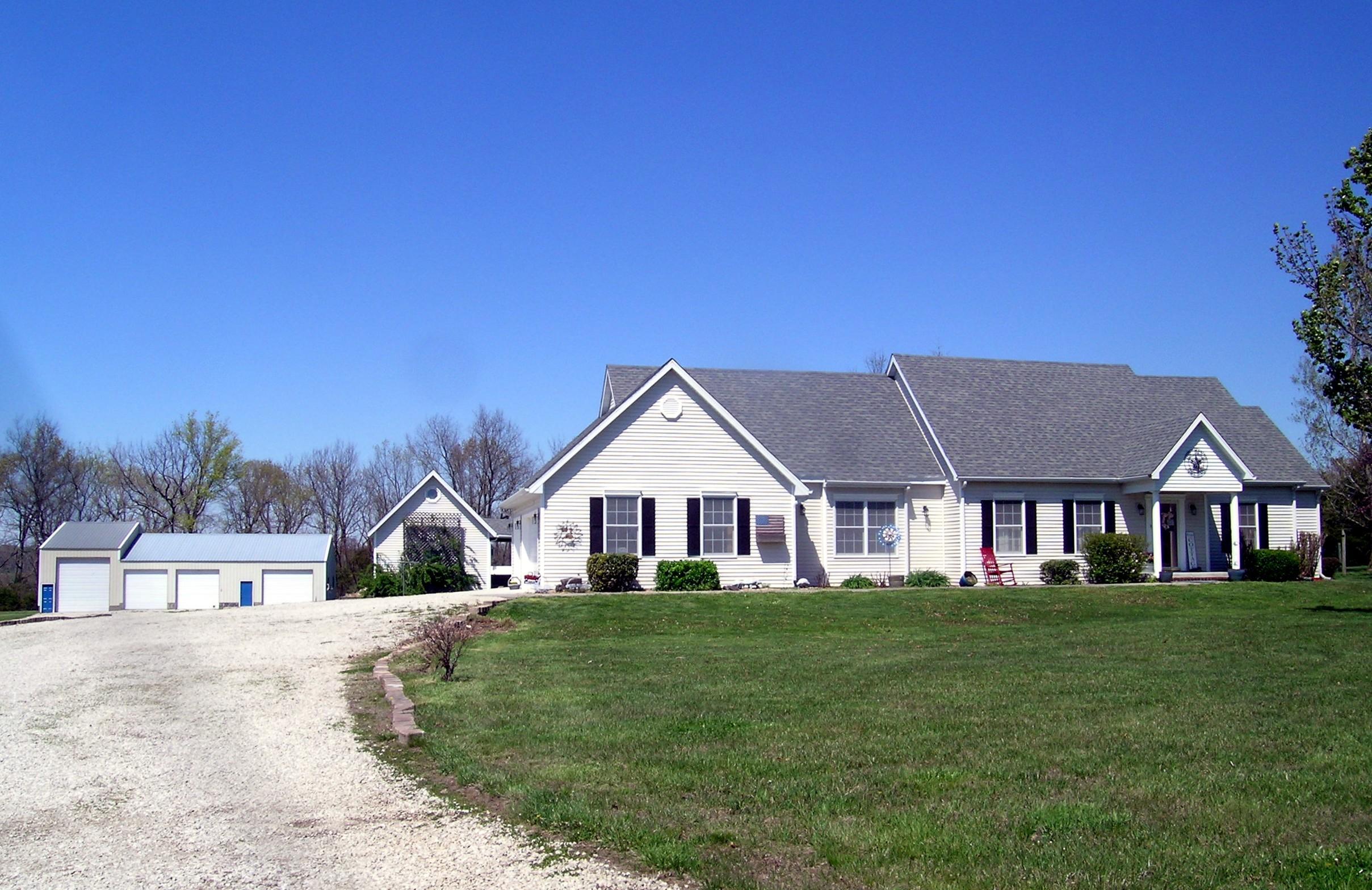 188 Munson Hill Drive Marshfield, MO 65706