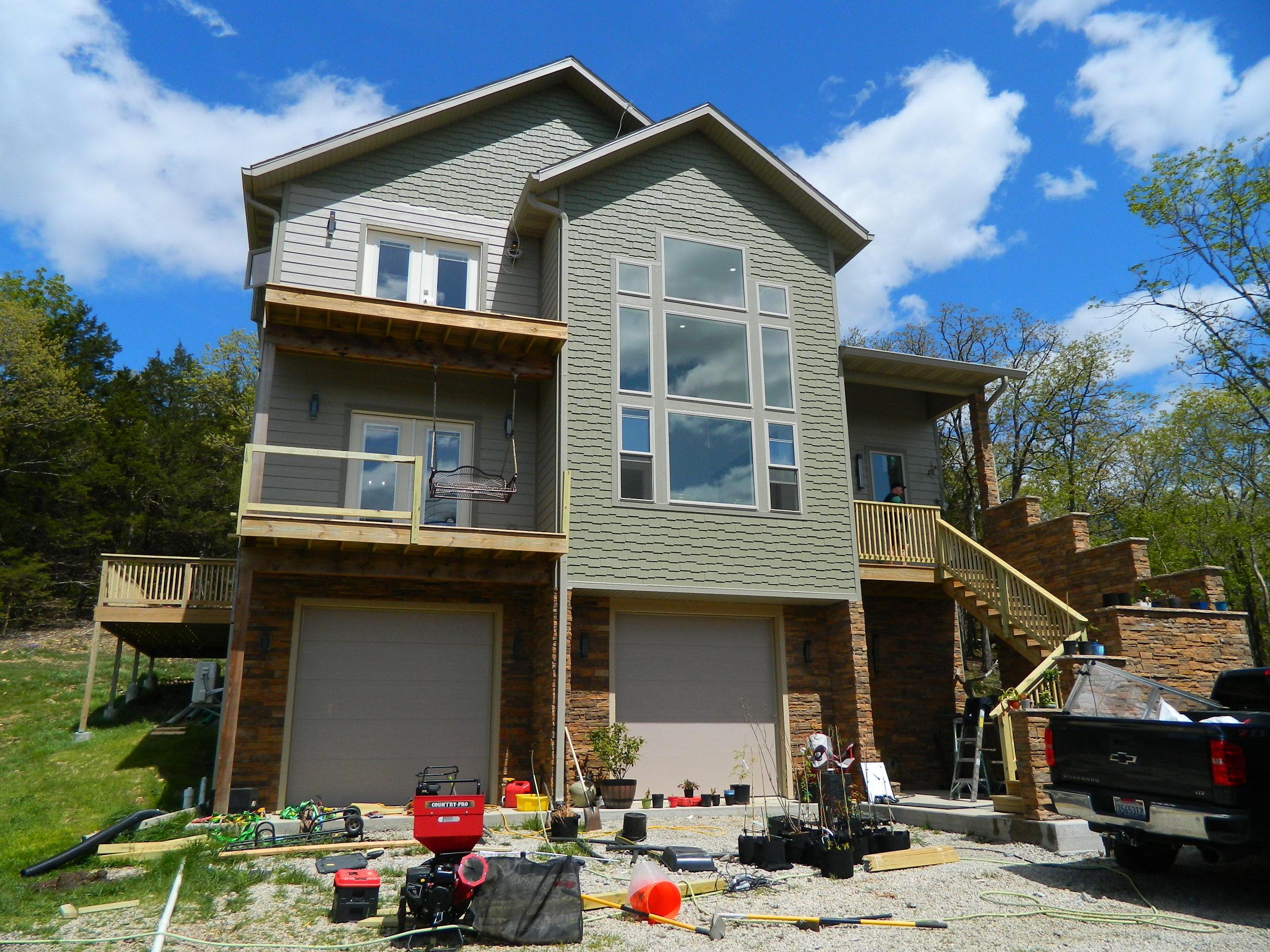 194 Woodland Hills Drive Walnut Shade, MO 65771
