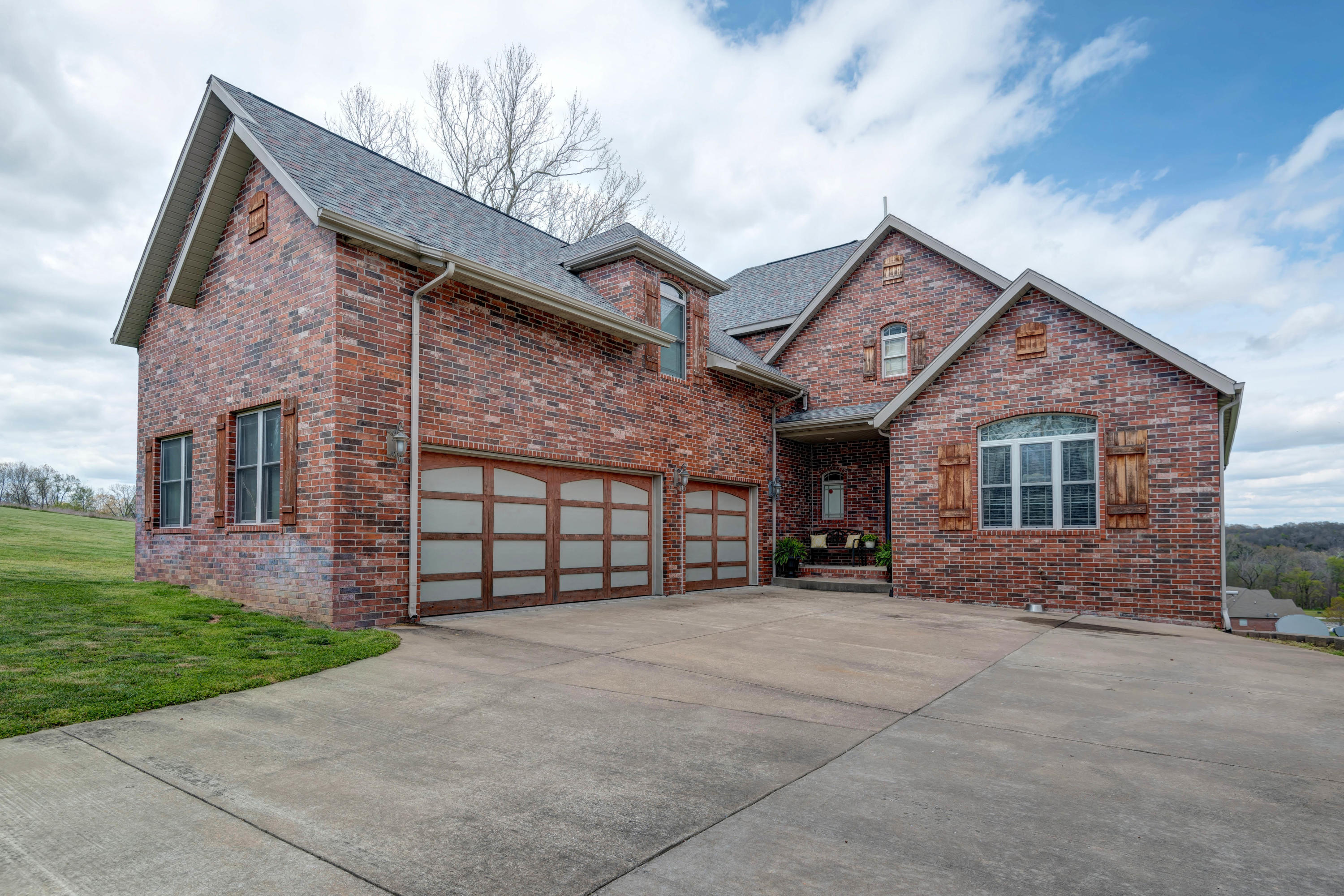 97 Pebble Beach Road Clever, MO 65631