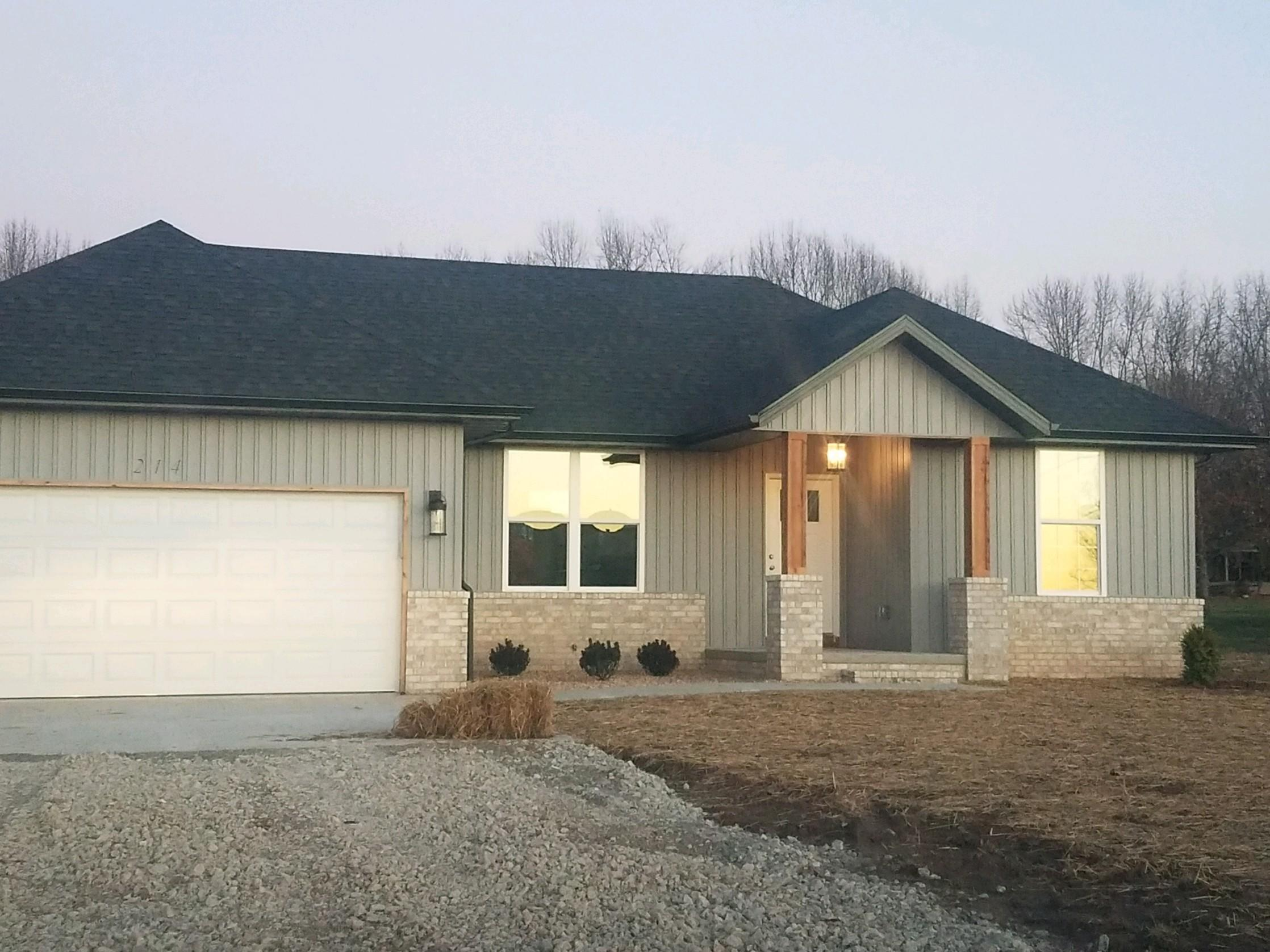 220 North Western Street Marionville, MO 65705