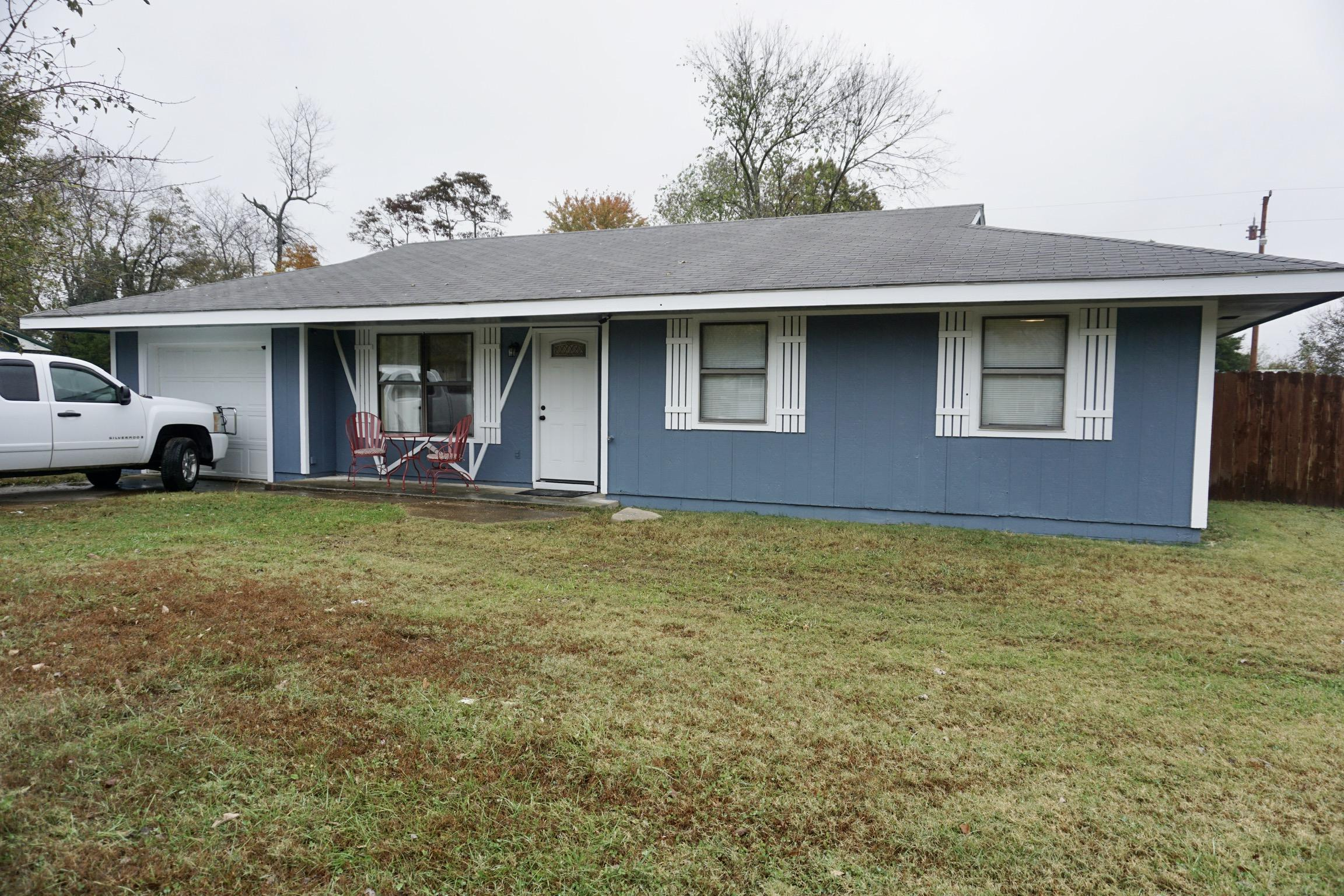 185 Quincy Road Kirbyville, MO 65679