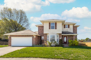 1104 West Tyson Court, Ozark, MO 65721