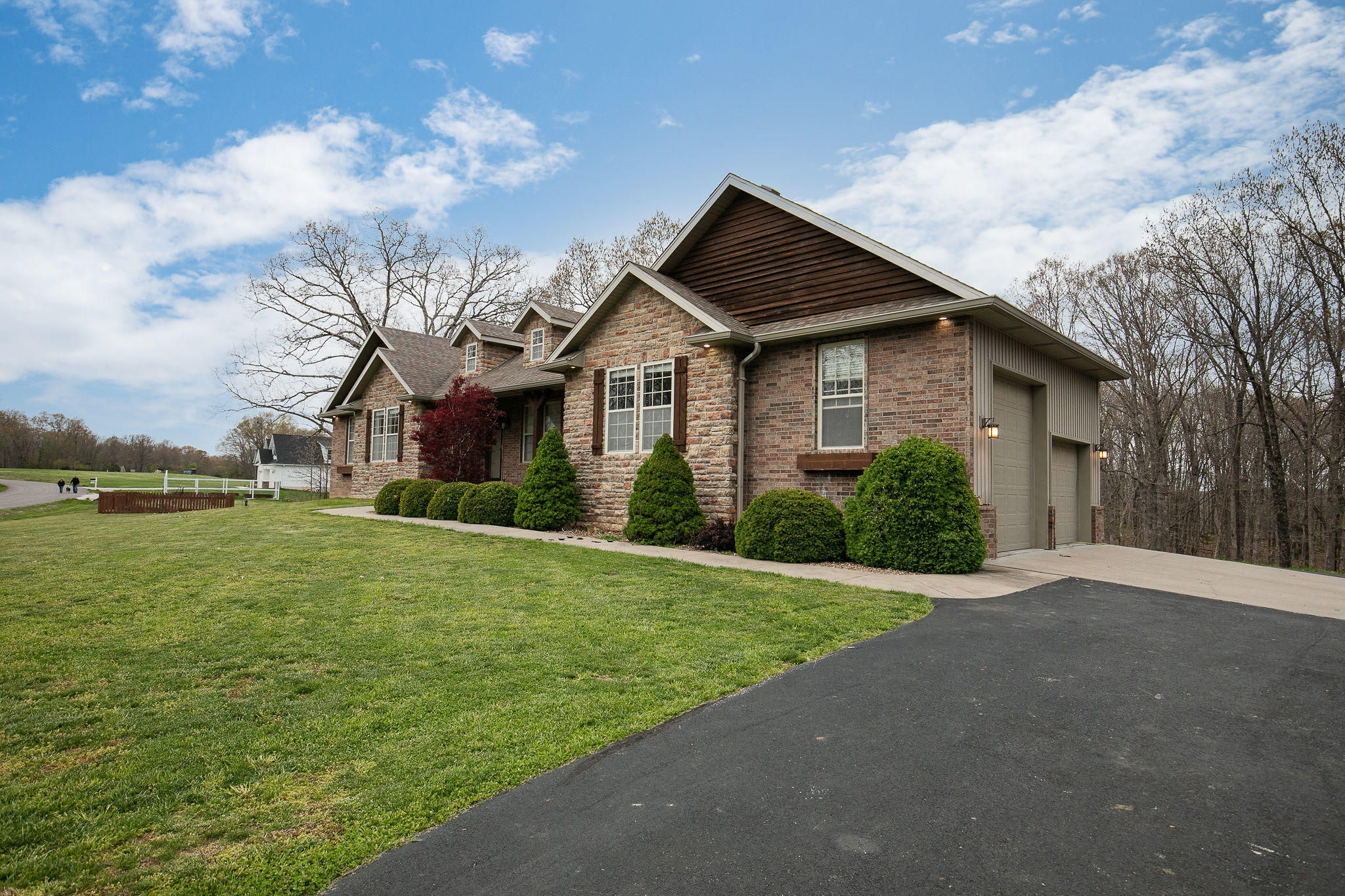 9617 East Valley View Road Strafford, MO 65757