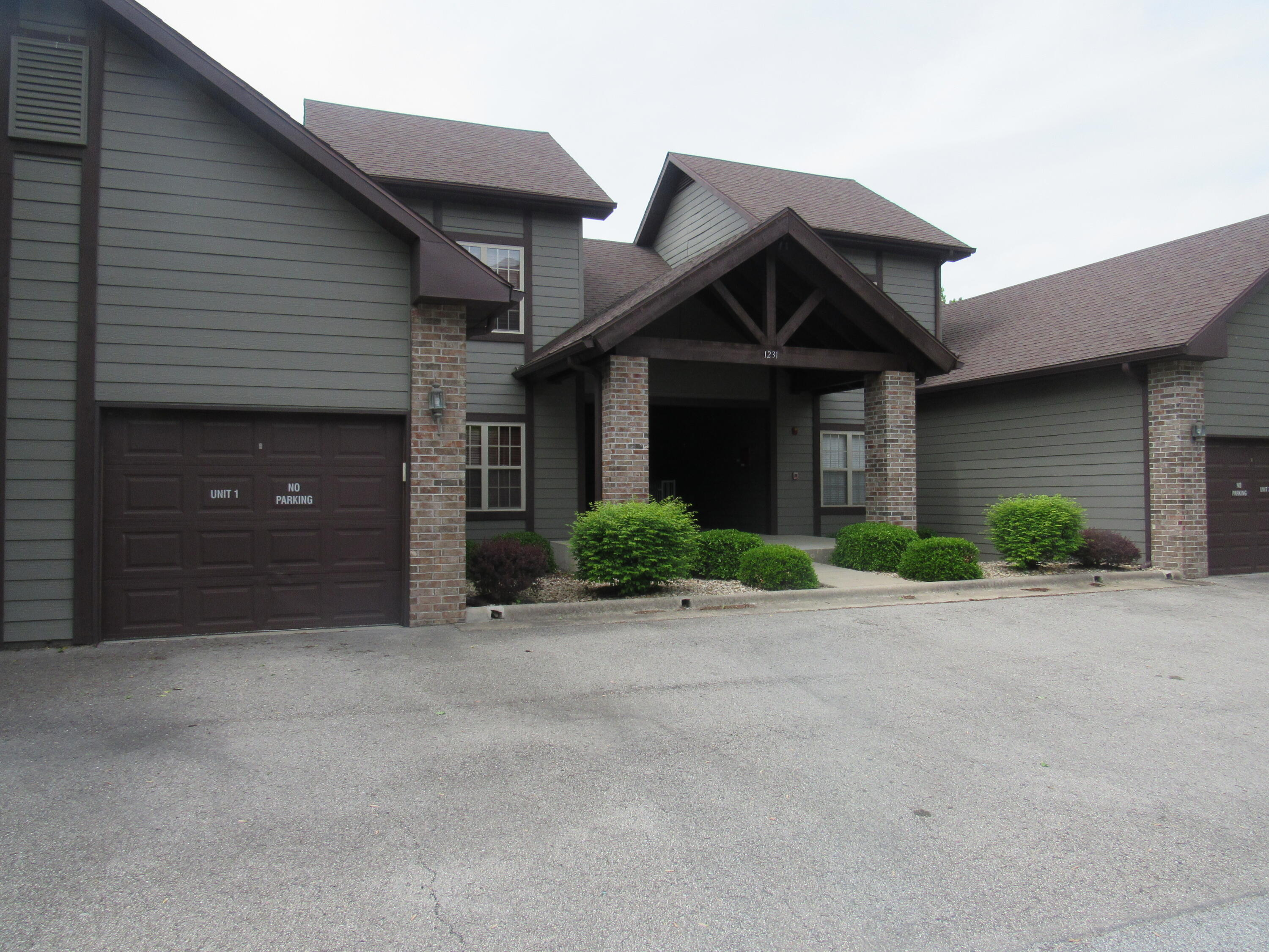 1231 Golf Drive UNIT #2 Branson West, MO 65737