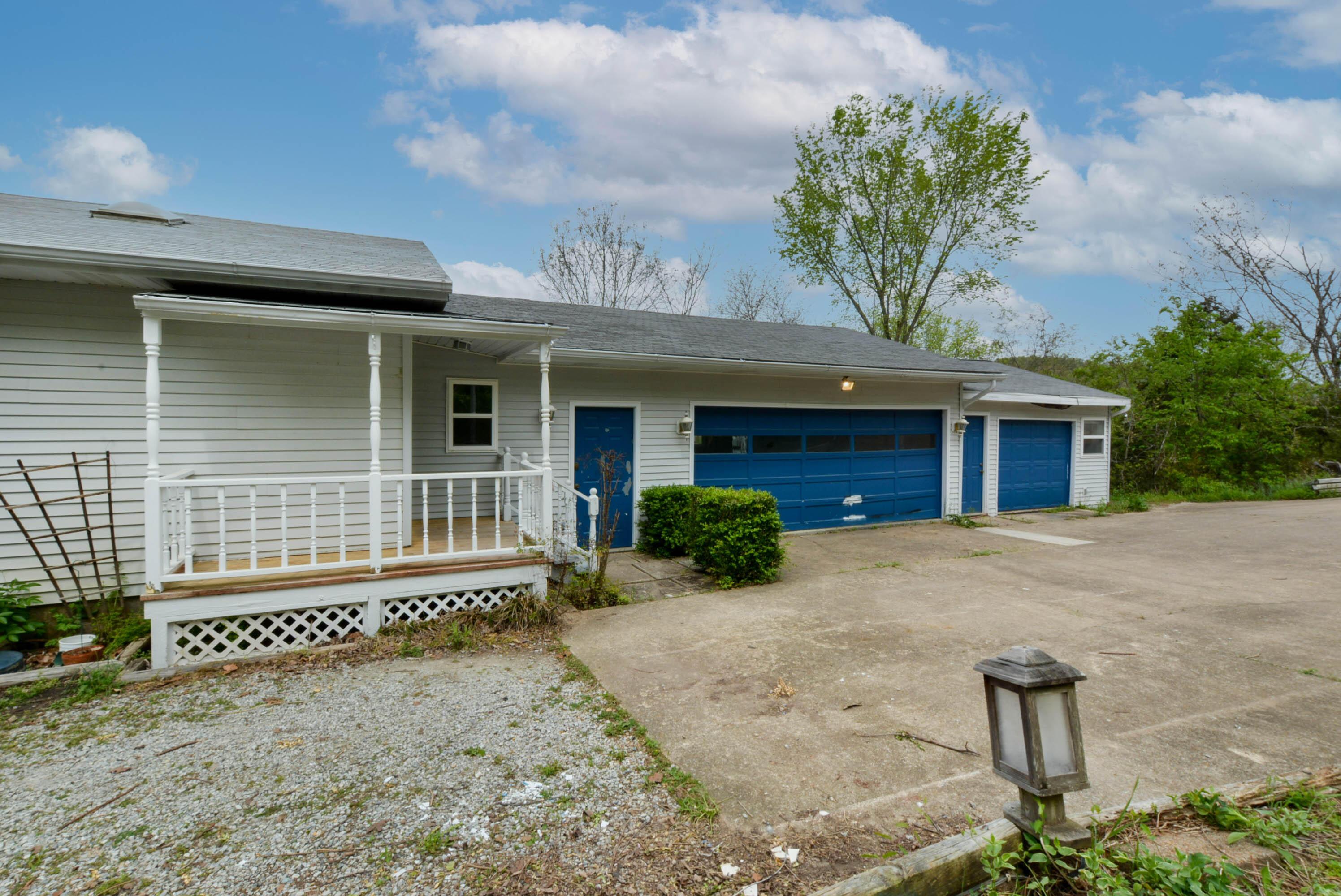 117 Hidden Bluff Road Blue Eye, MO 65611