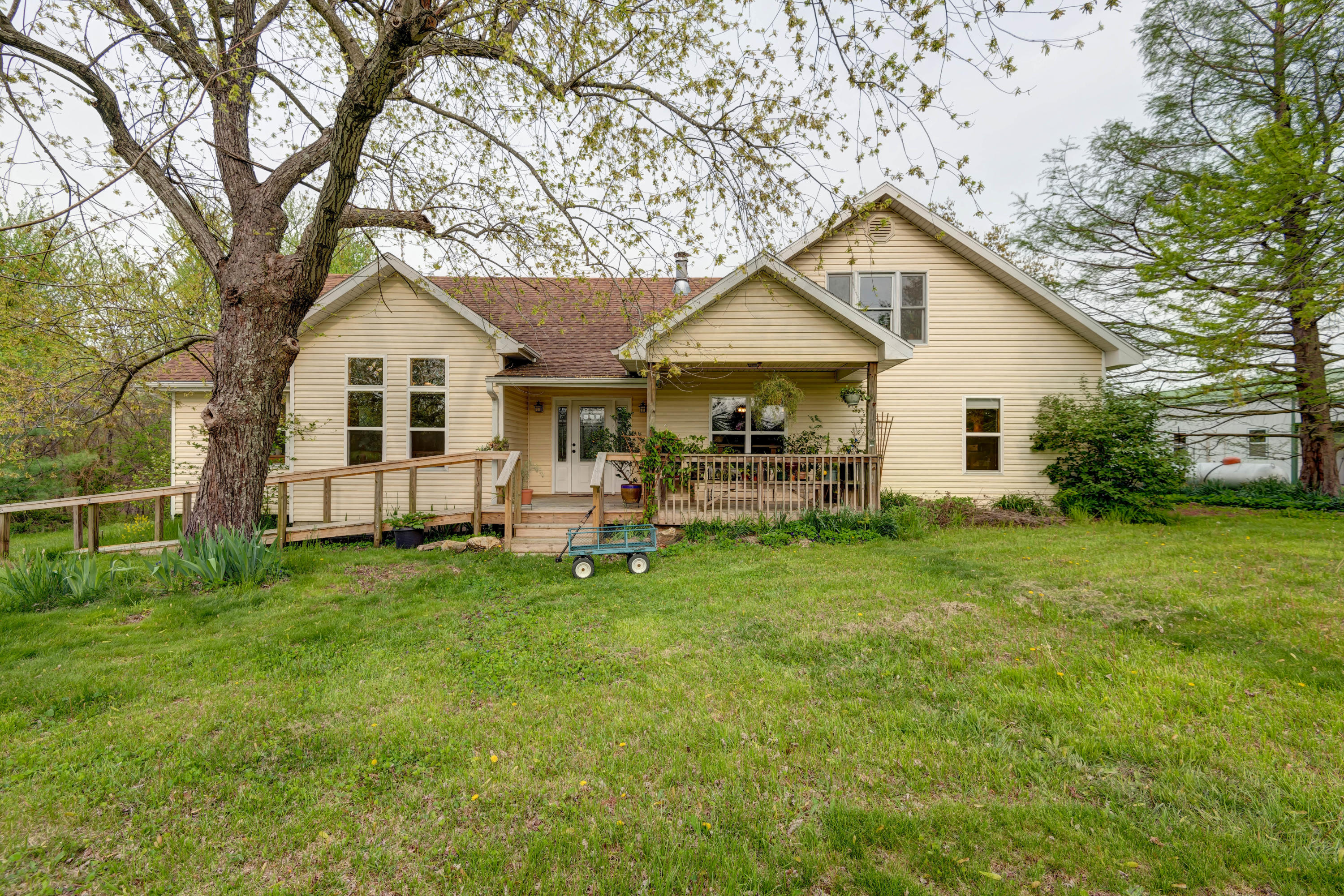 9135 State Highway Z Fordland, MO 65652