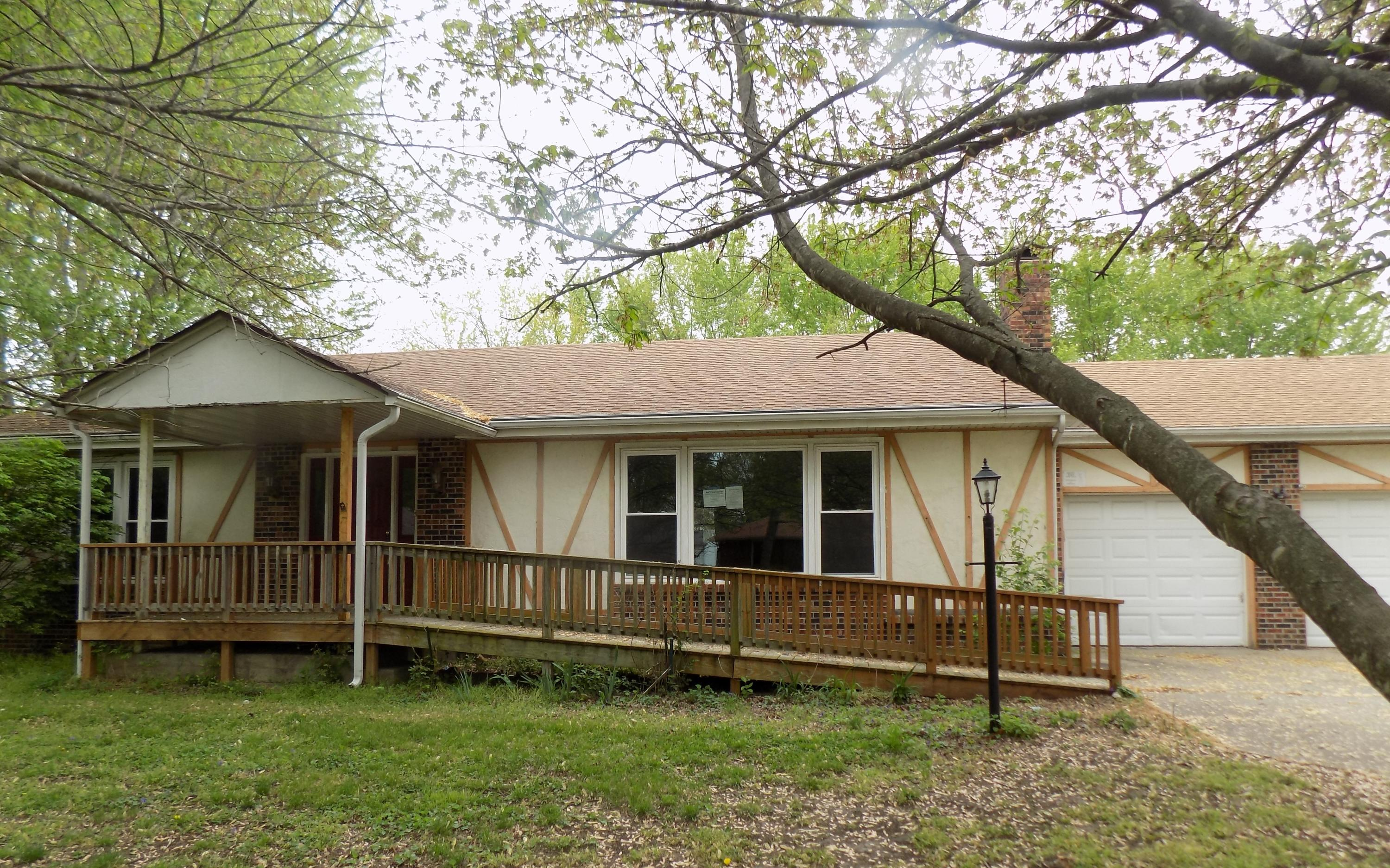 3207 West Marcella Drive Springfield, MO 65810