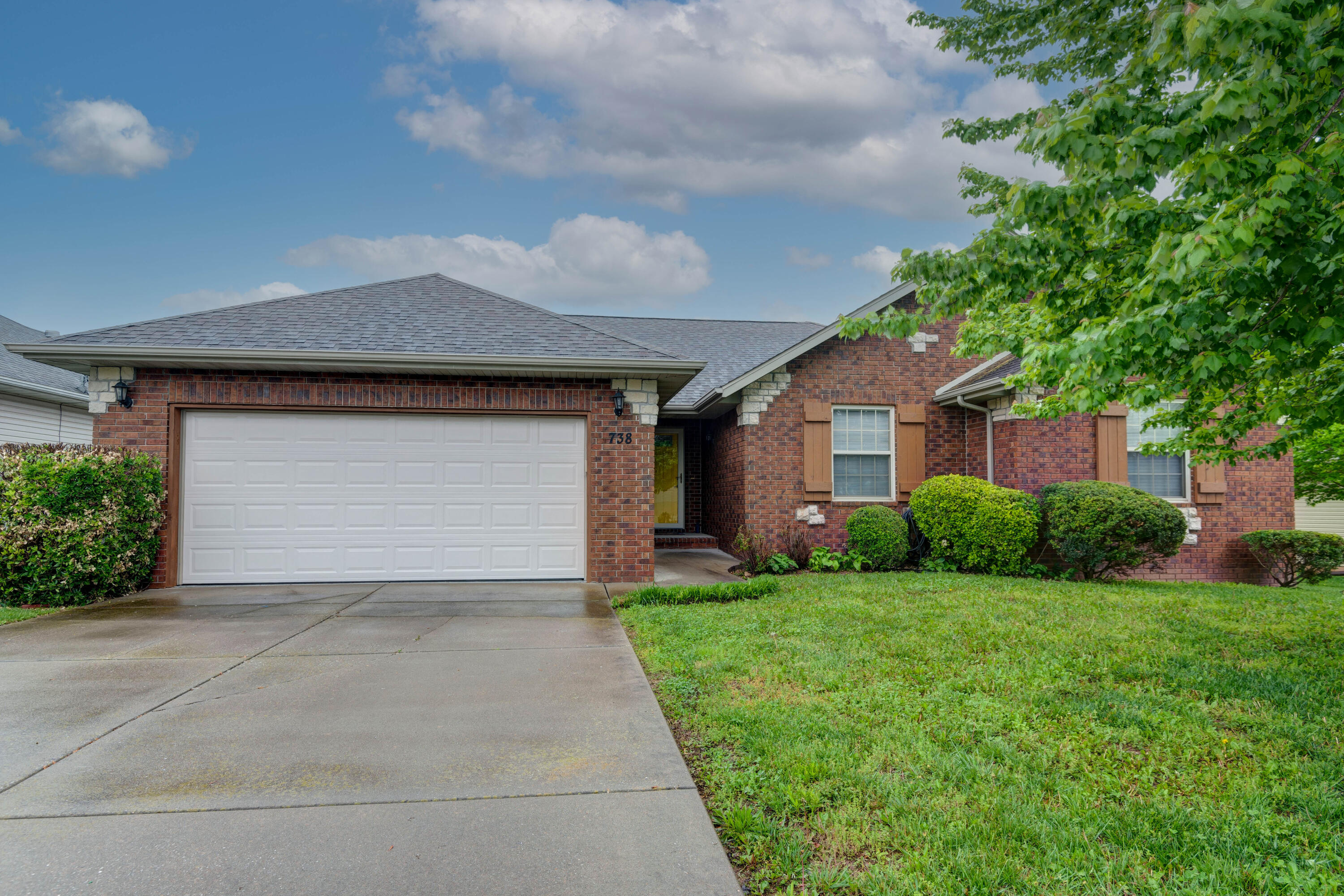 738 North Allison Street Nixa, MO 65714