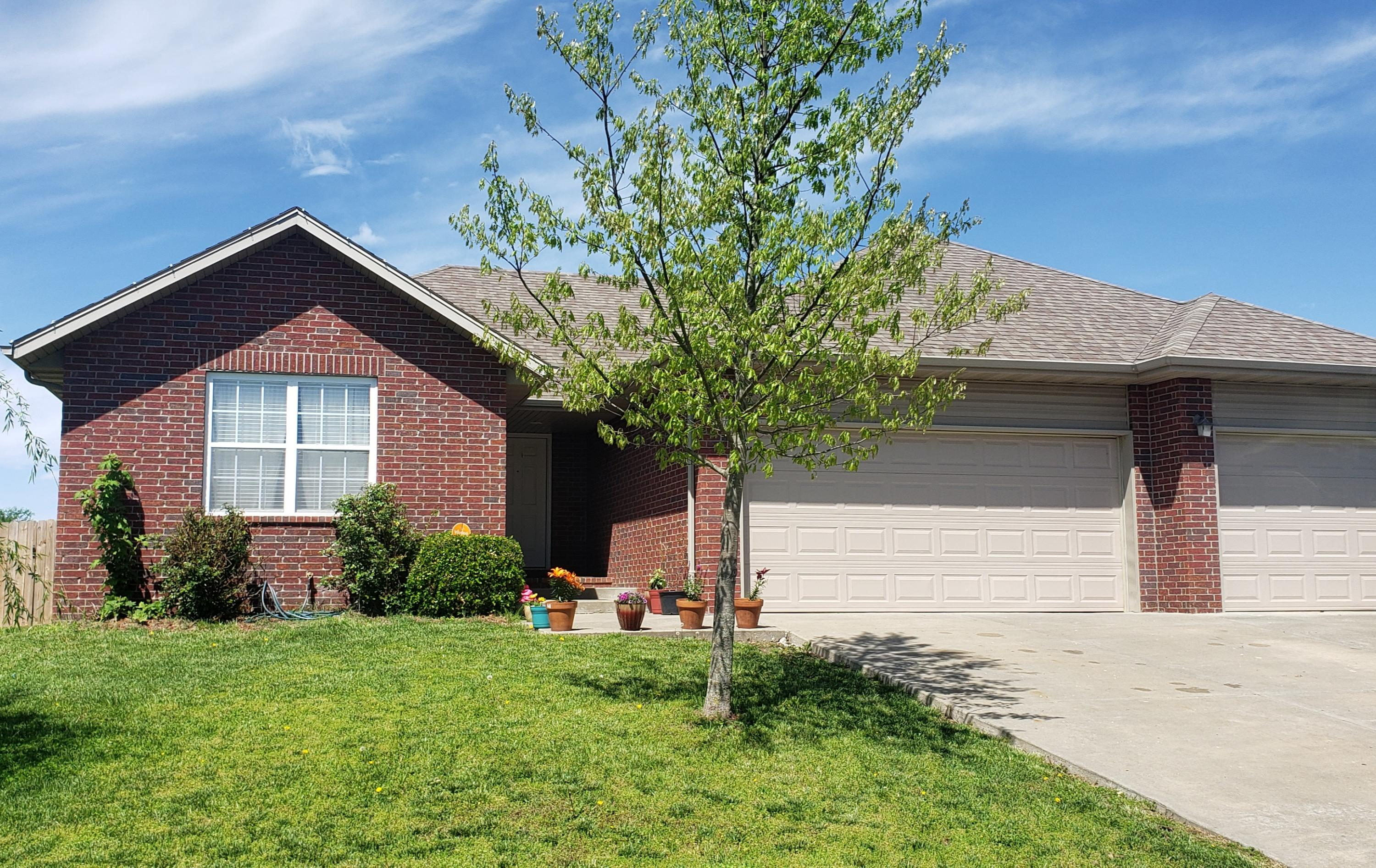 1039 South Tanner Drive Springfield, MO 65802