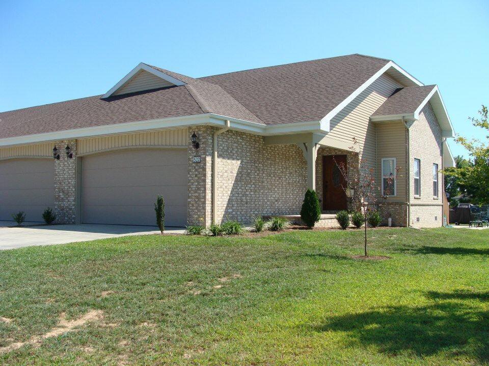 520-550 Highlandville Road Highlandville, MO 65669