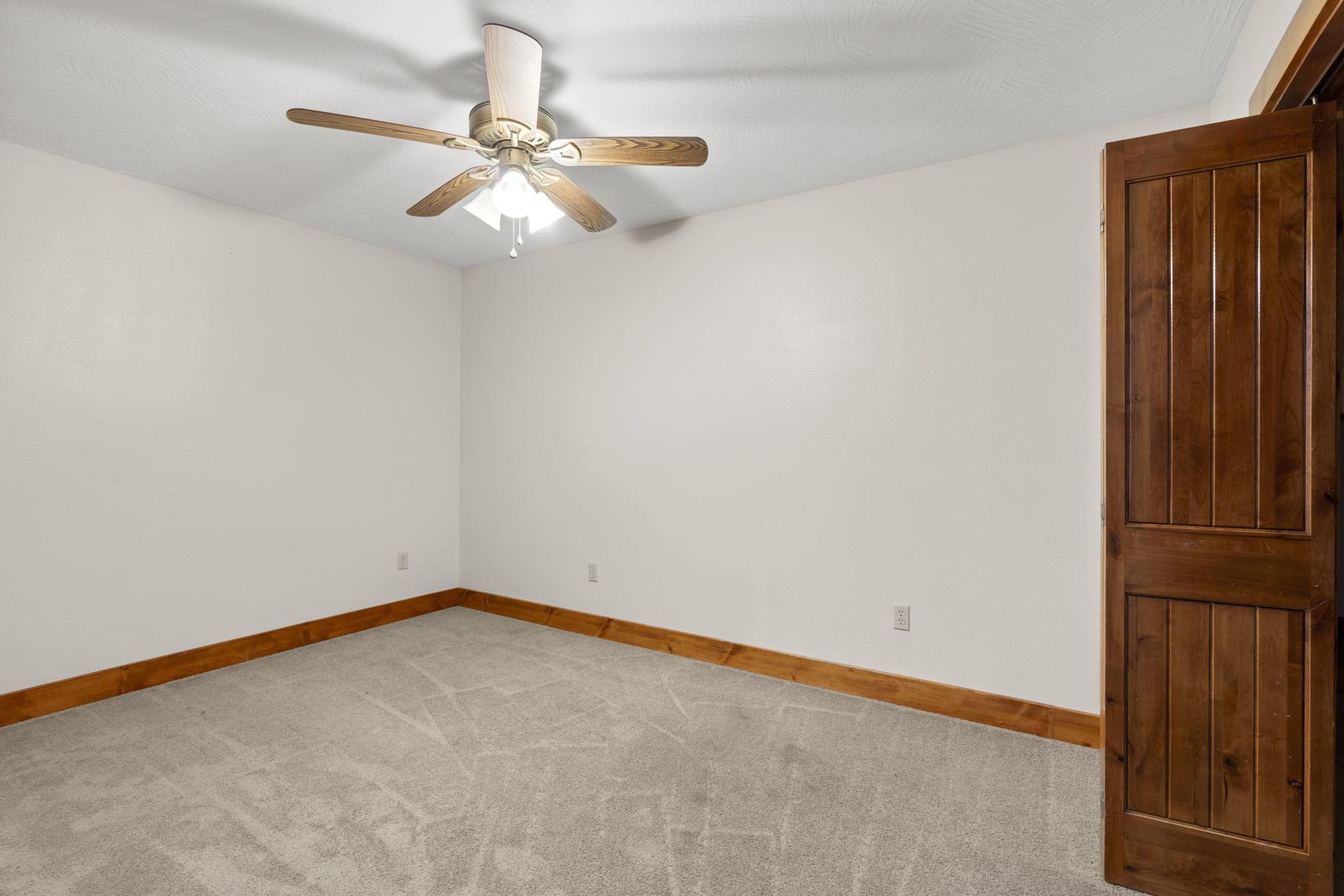 301 Estate Drive Sparta, MO 65753