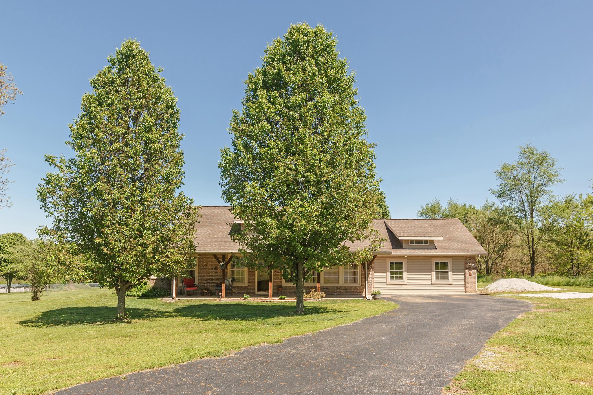 6010 North Farm Road Willard, MO 65781