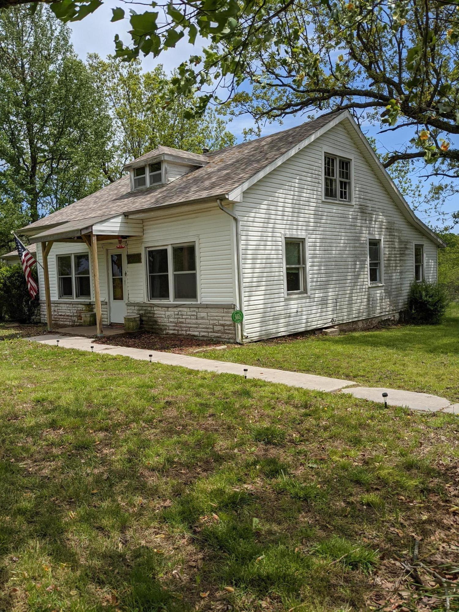 9364 North Farm Road Fair Grove, MO 65648