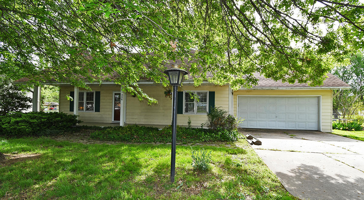 324 North Delaware Avenue Nixa, MO 65714