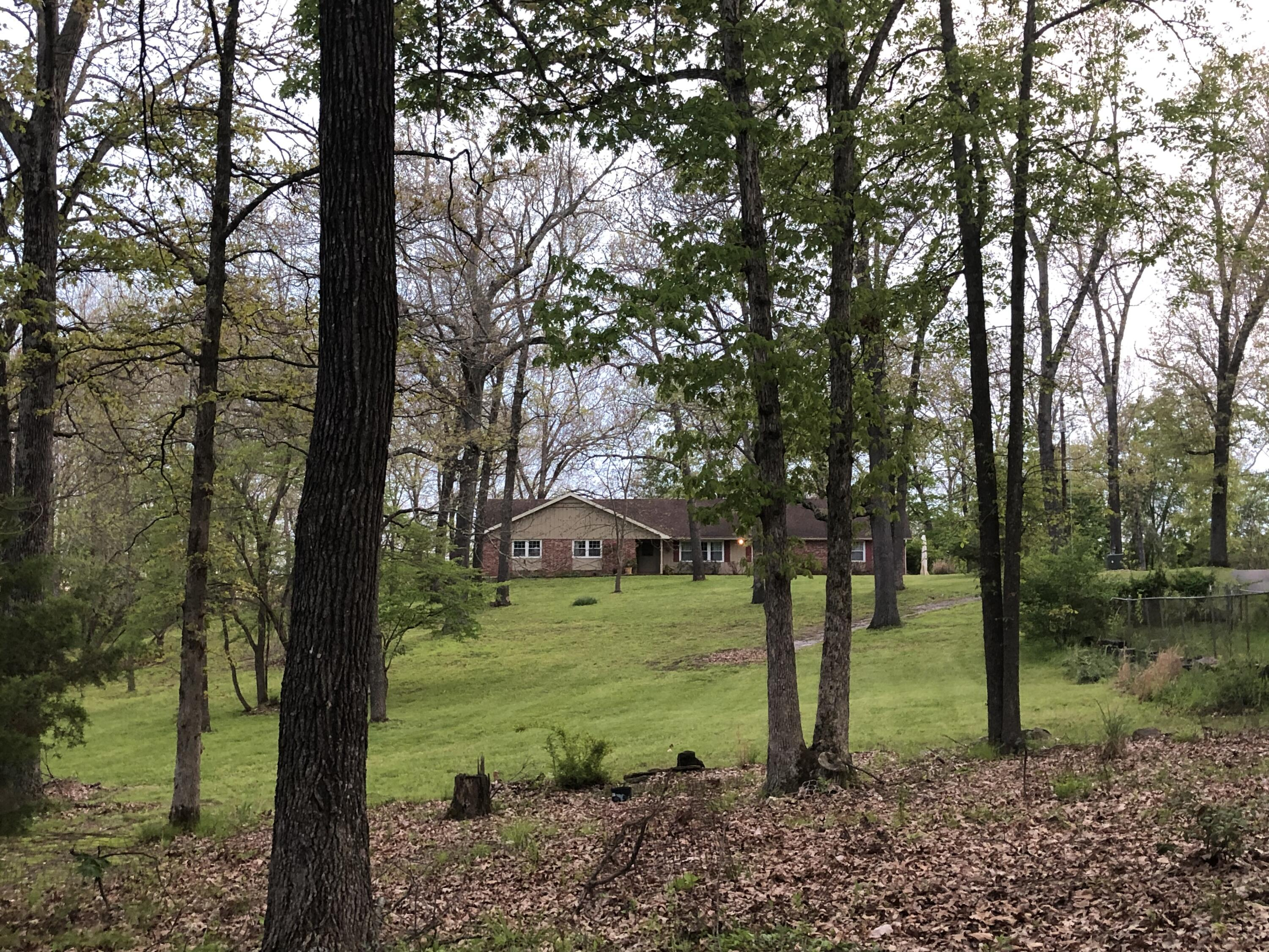 2352 South Valley View Lane Springfield, MO 65809