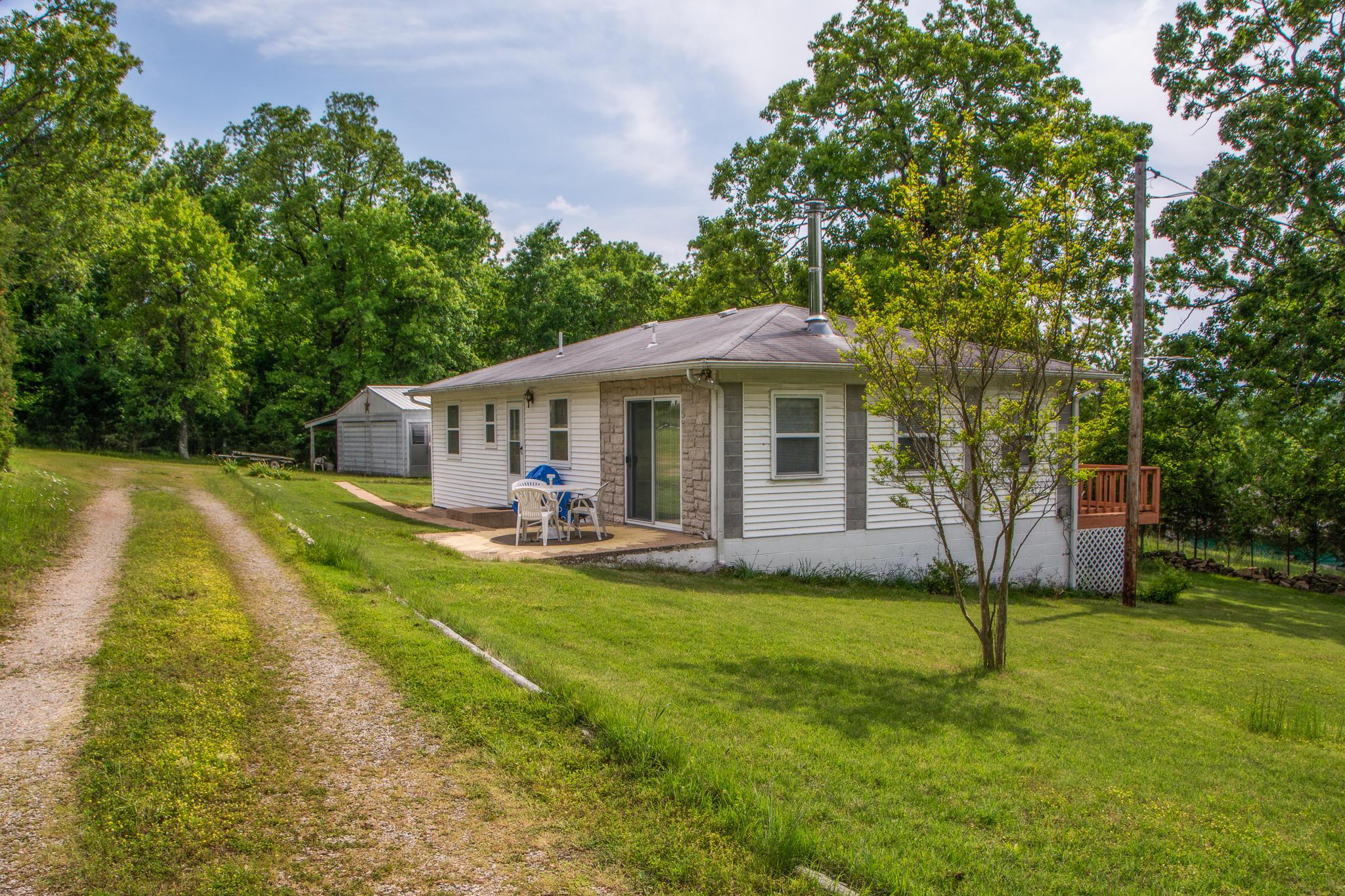 190 County Road Theodosia, MO 65761