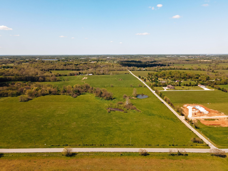 000 North Farm Rd Strafford, MO 65757