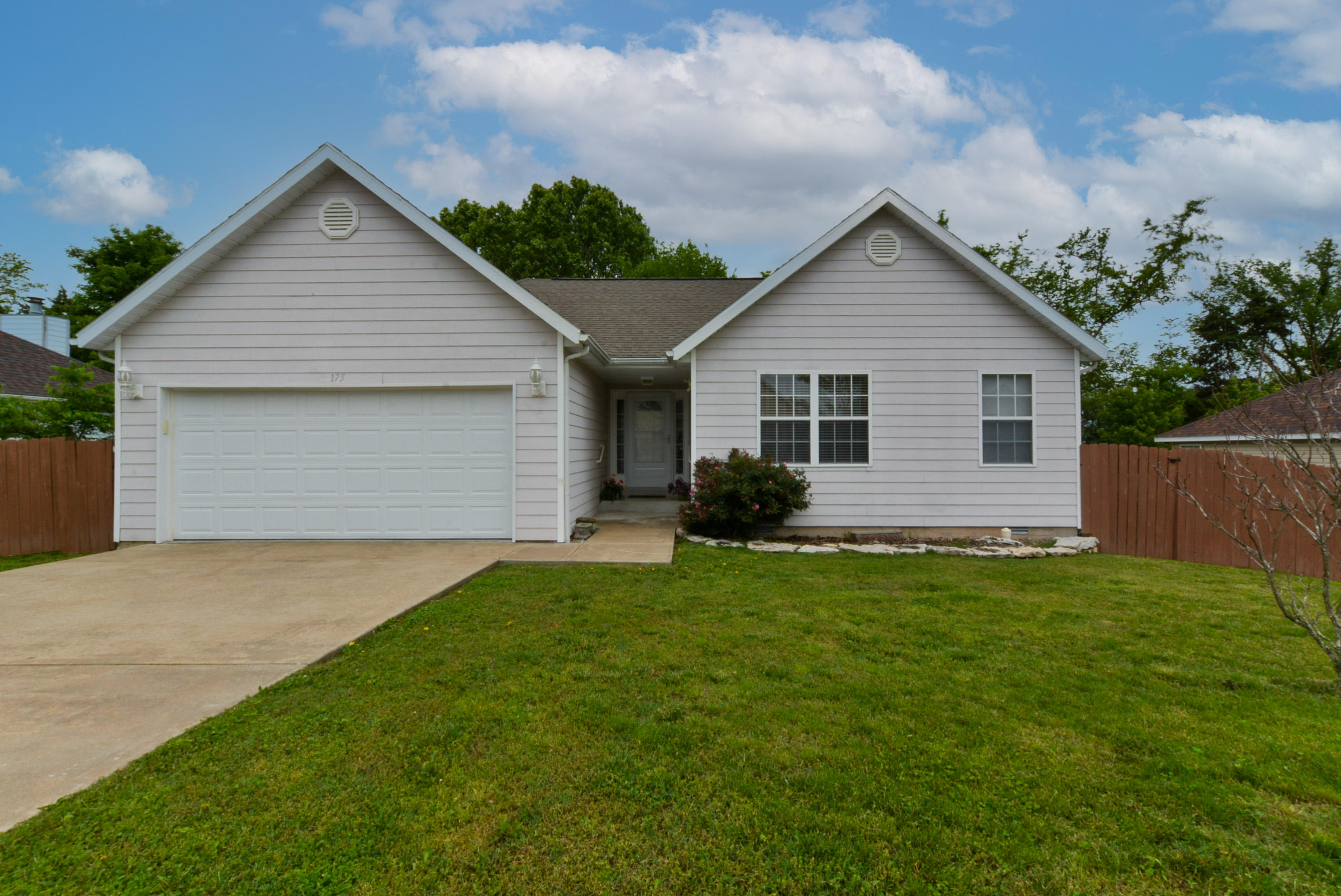 175 Daless Court Hollister, MO 65672
