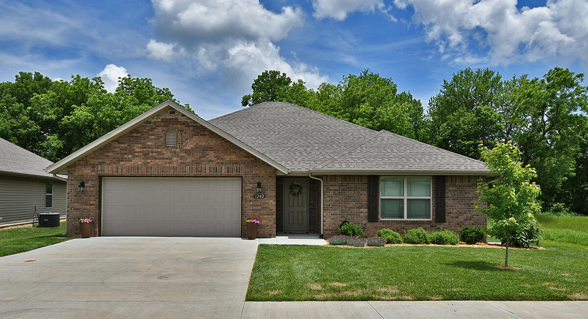 1282 South Tanner Drive Springfield, MO 65802