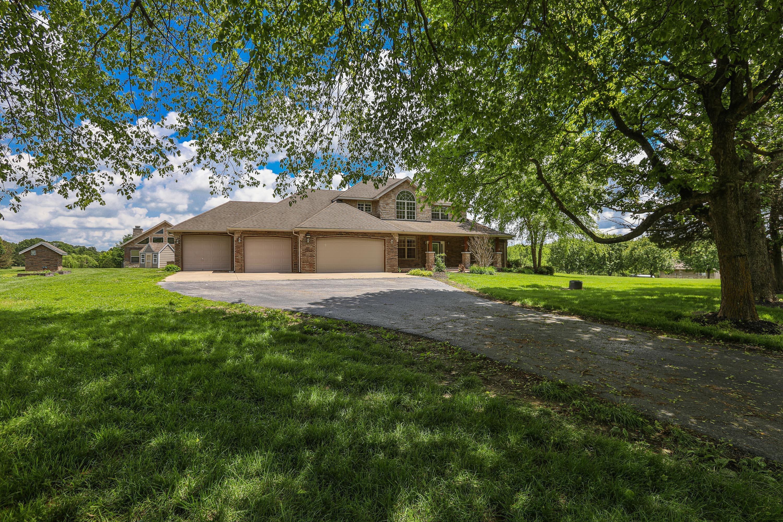 1106 Pebble Creek Drive Nixa, MO 65714