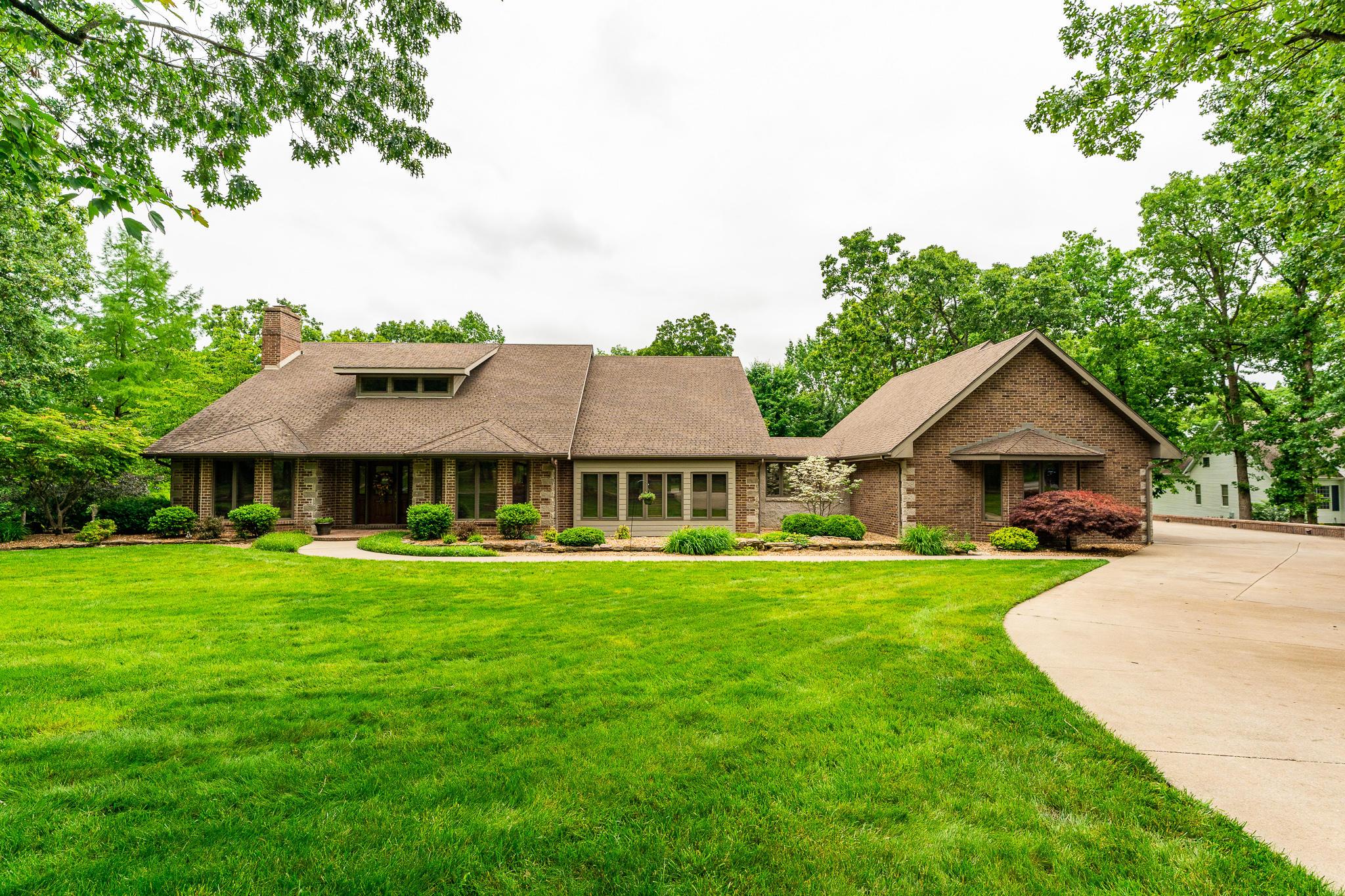 Property for sale at 951 Oak Terrace, Bolivar,  Missouri 65613