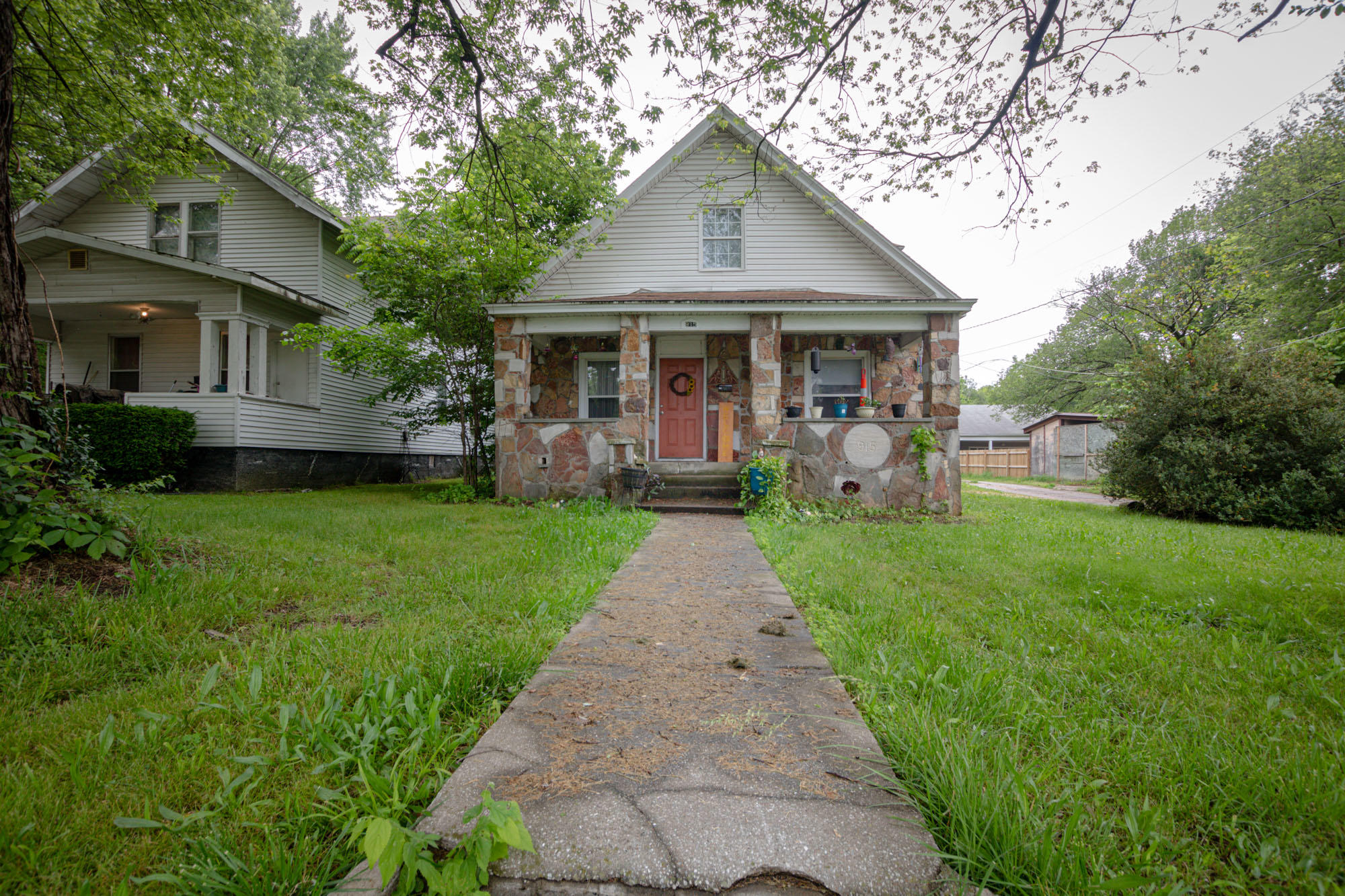 915 North Nettleton Avenue Springfield, MO 65802