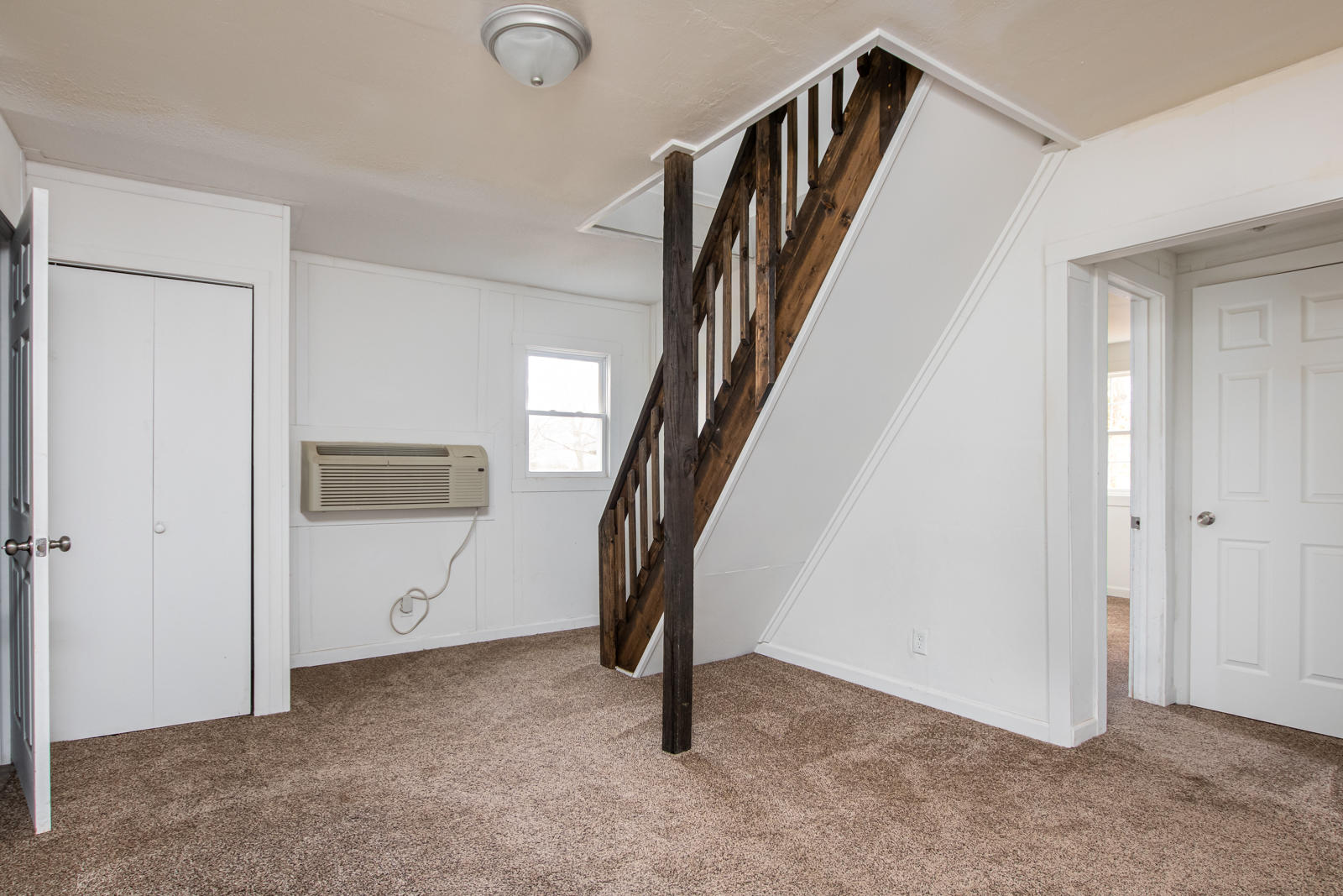 1837 West Scott Street Springfield, MO 65802