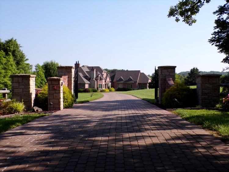 3365 County Road Willow Springs, MO 65793