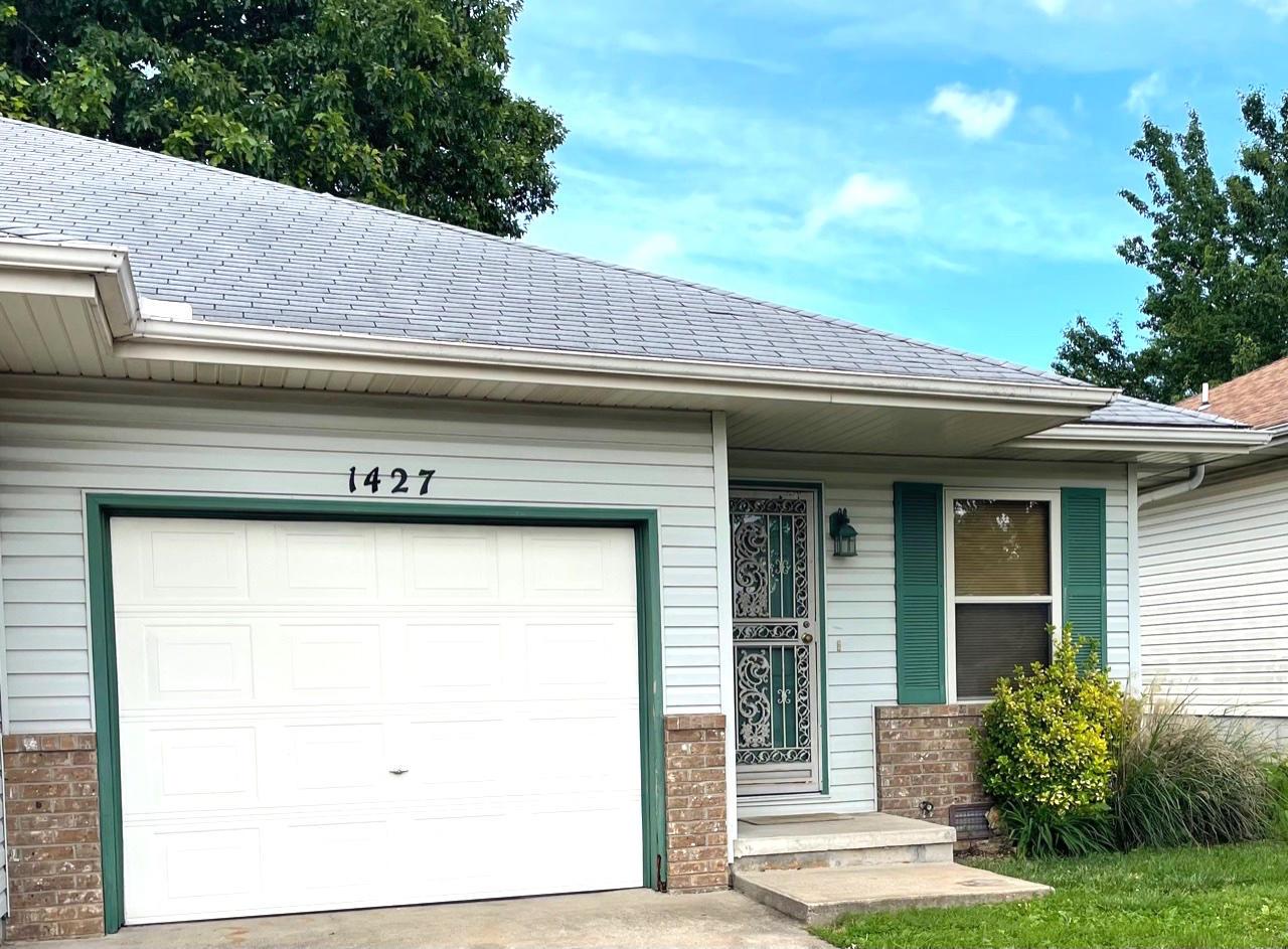 1427 West Rainey Street Ozark, MO 65721