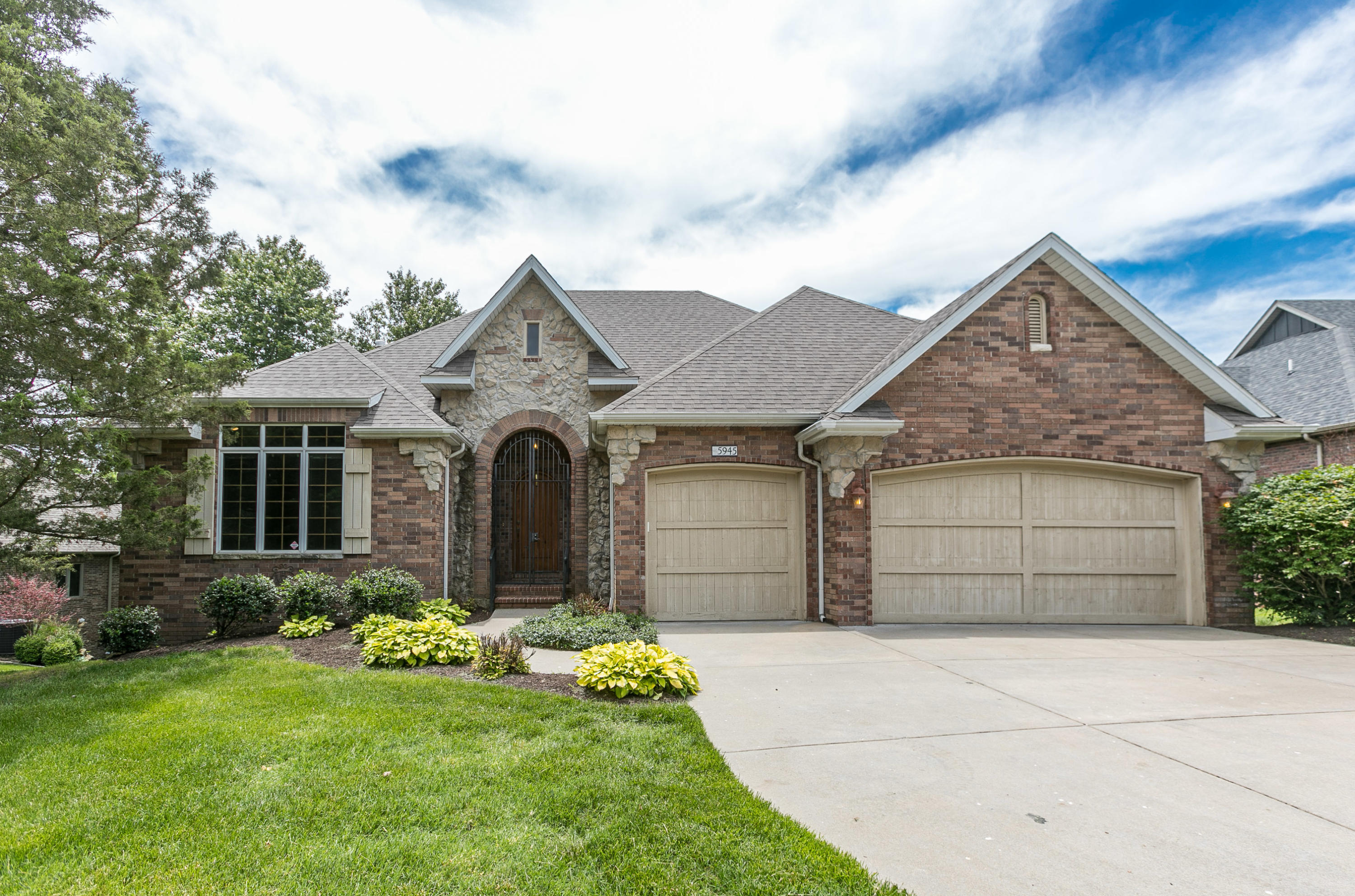 5945 South Brightwater Trail Springfield, MO 65810