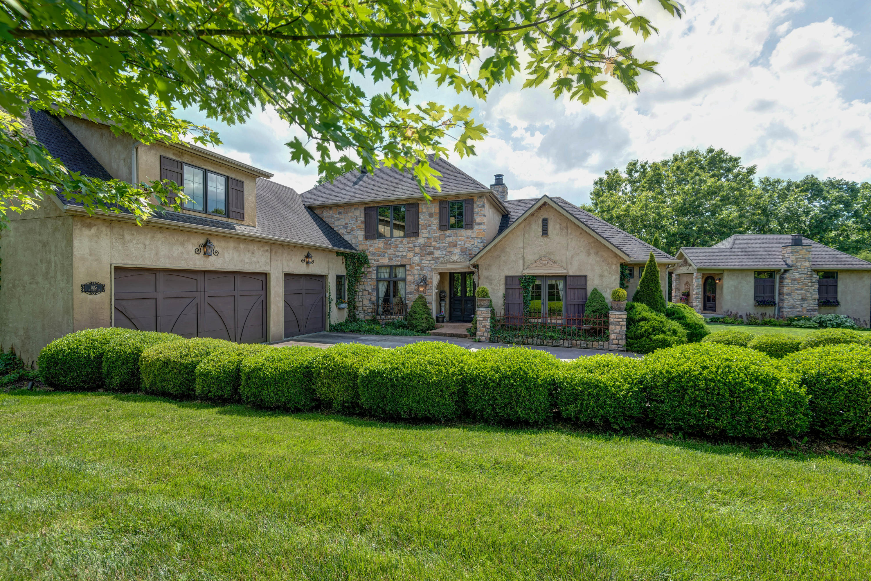 803 South Mulberry Lane Springfield, MO 65809