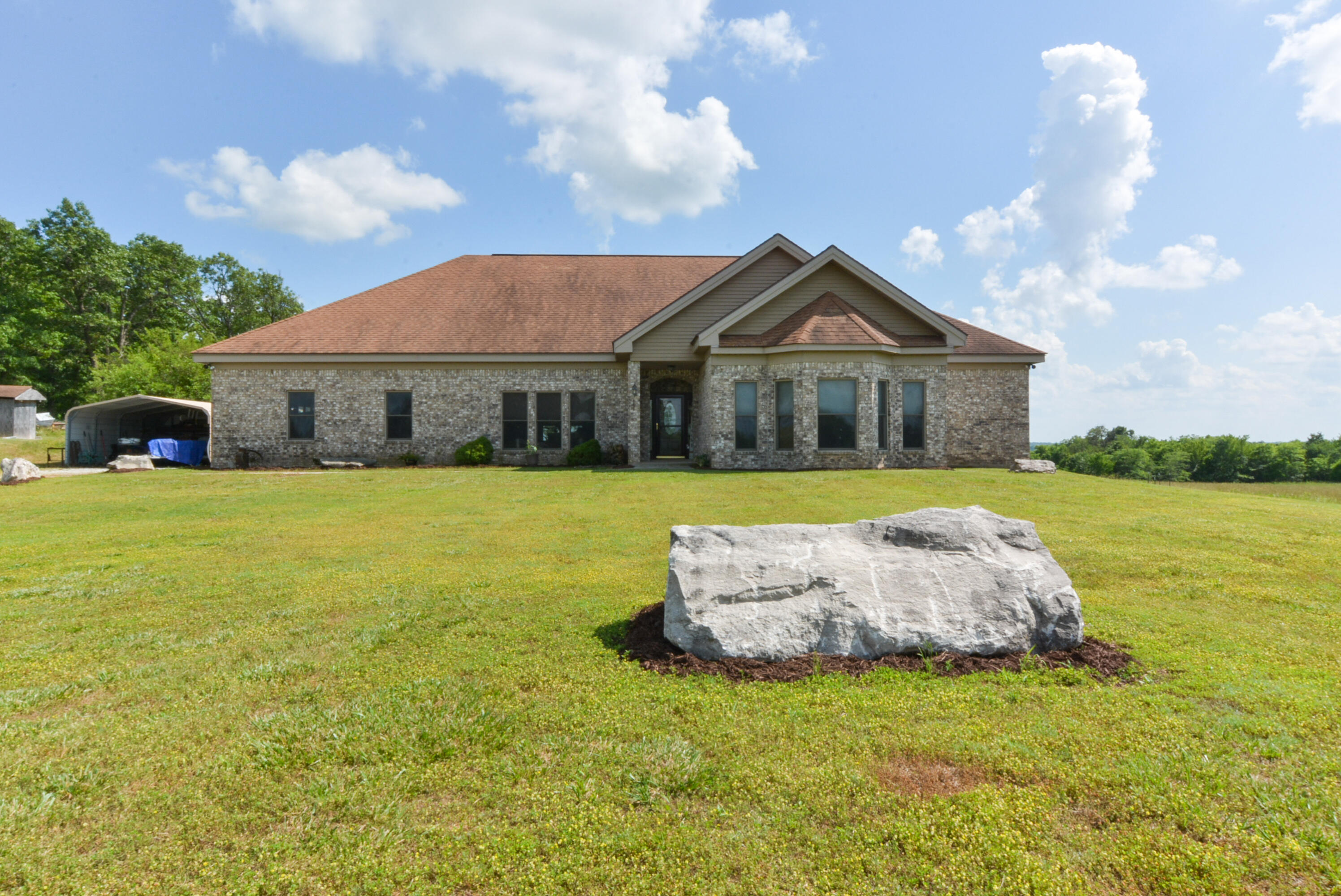 12956 West Farm Road 34, Ash Grove, Missouri 65604