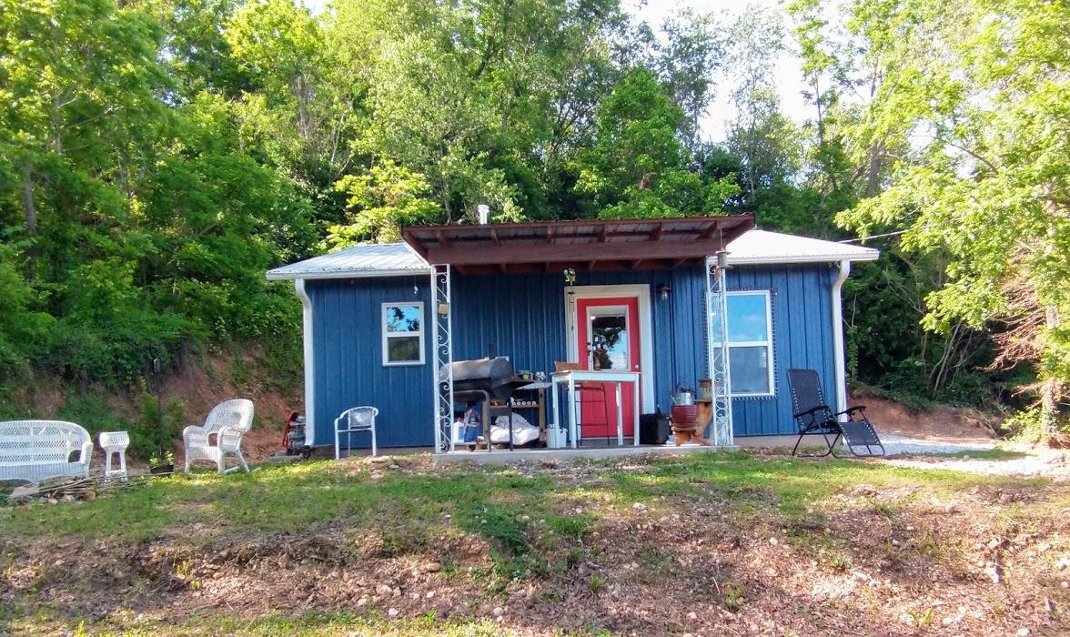 516 3rd Street Anderson, MO 64831