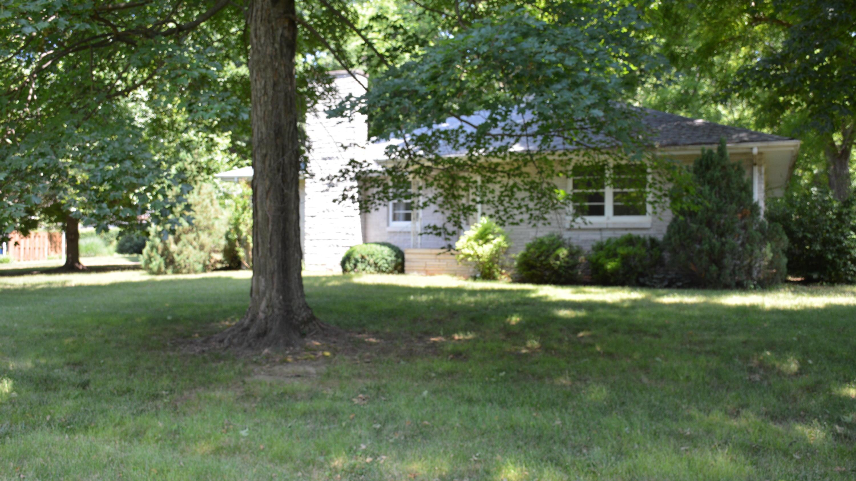 1471 East Bennett Street Springfield, MO 65804